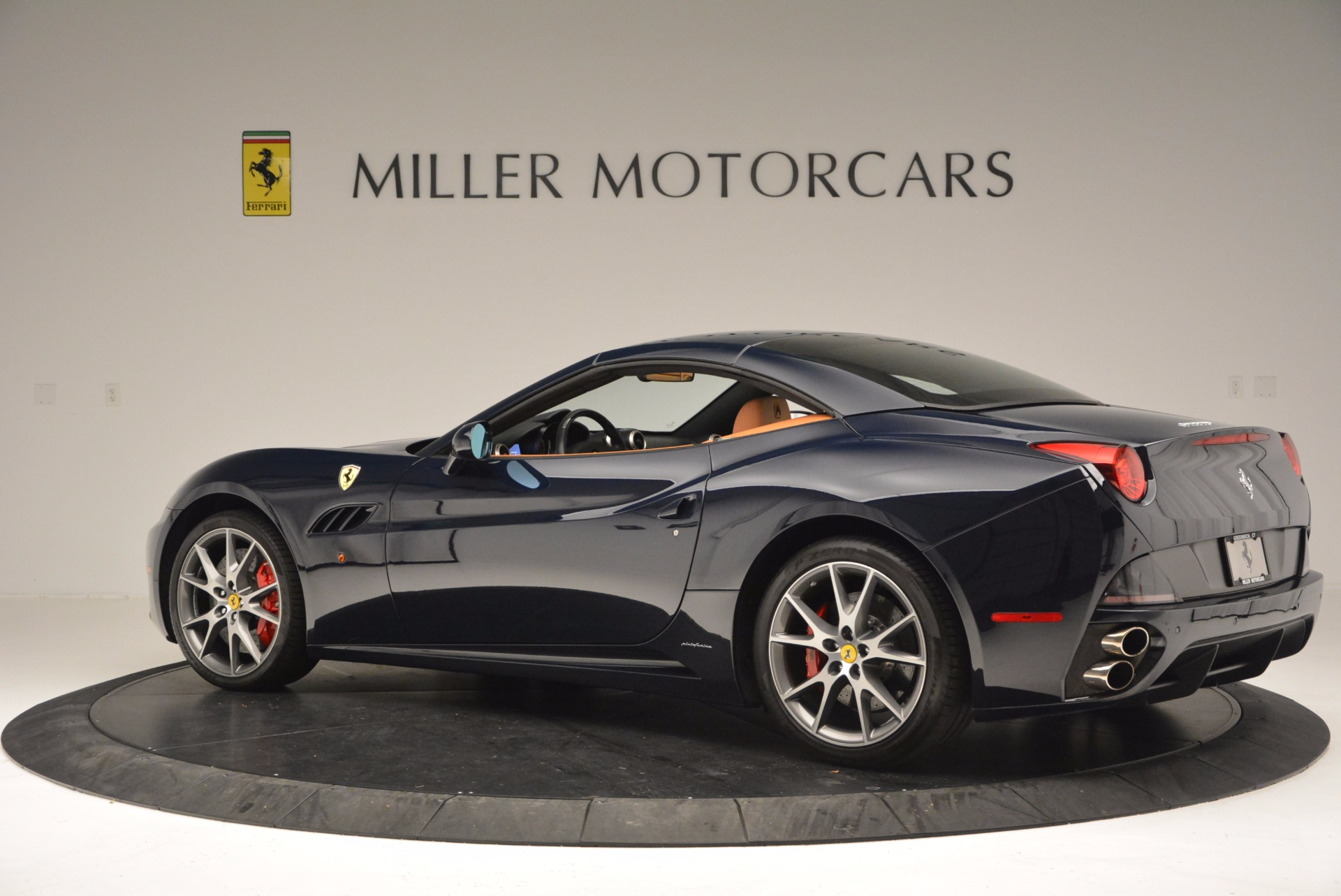 Used 2010 Ferrari California  For Sale In Westport, CT 659_p16