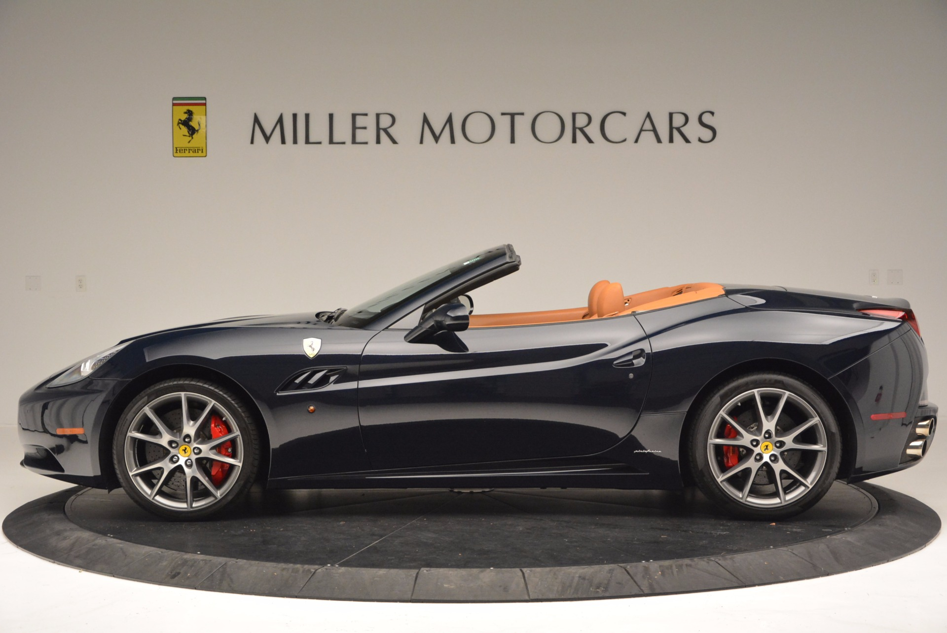 Used 2010 Ferrari California  For Sale In Westport, CT 659_p3
