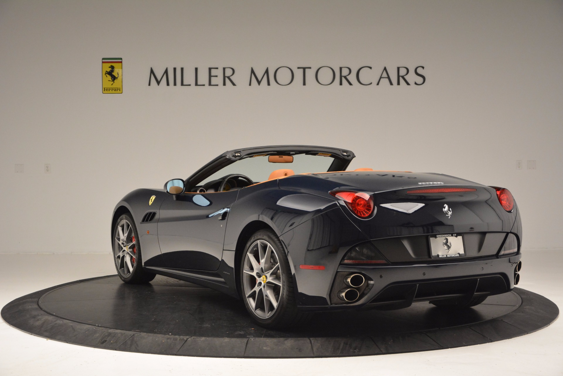 Used 2010 Ferrari California  For Sale In Westport, CT 659_p5