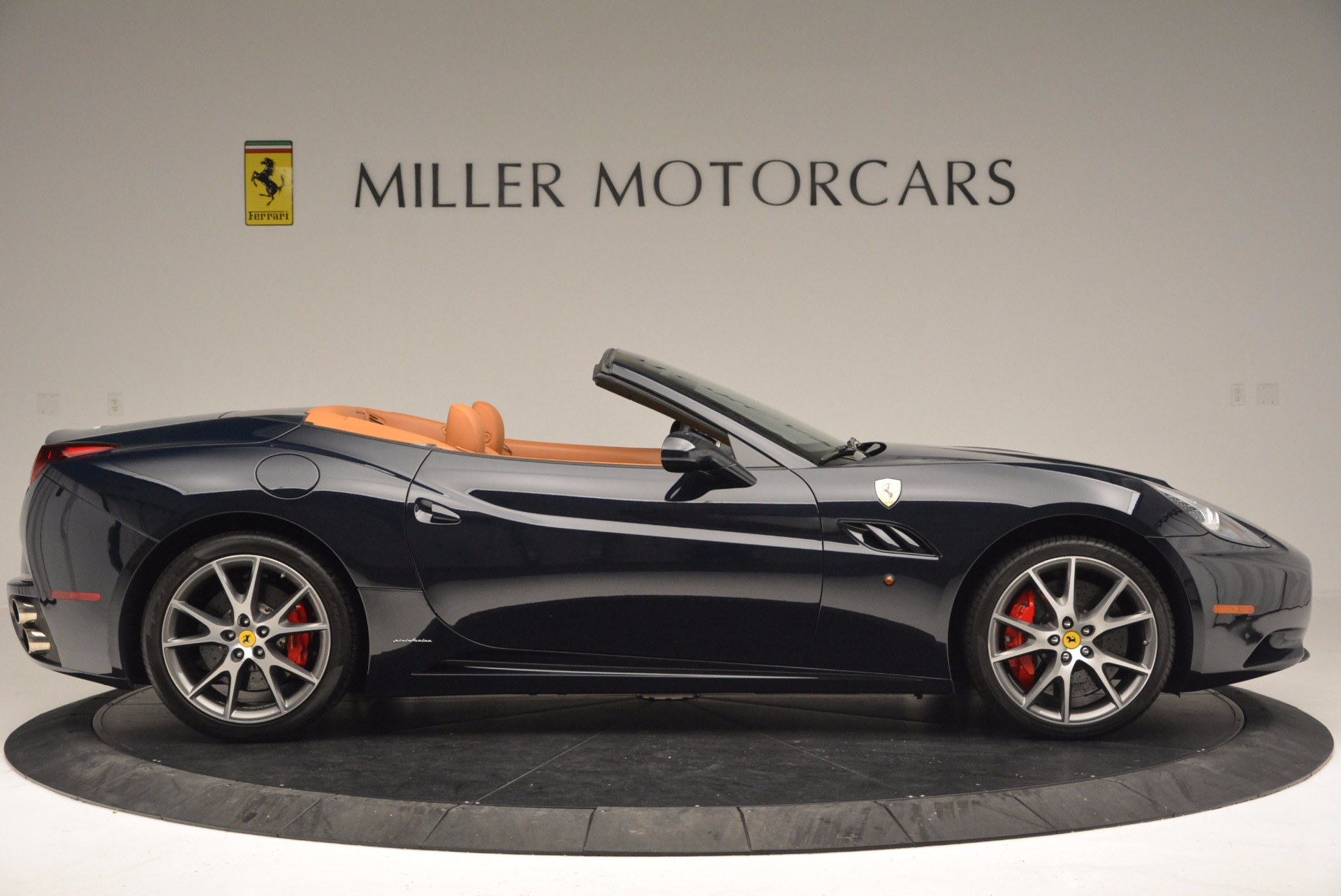 Used 2010 Ferrari California  For Sale In Westport, CT 659_p9