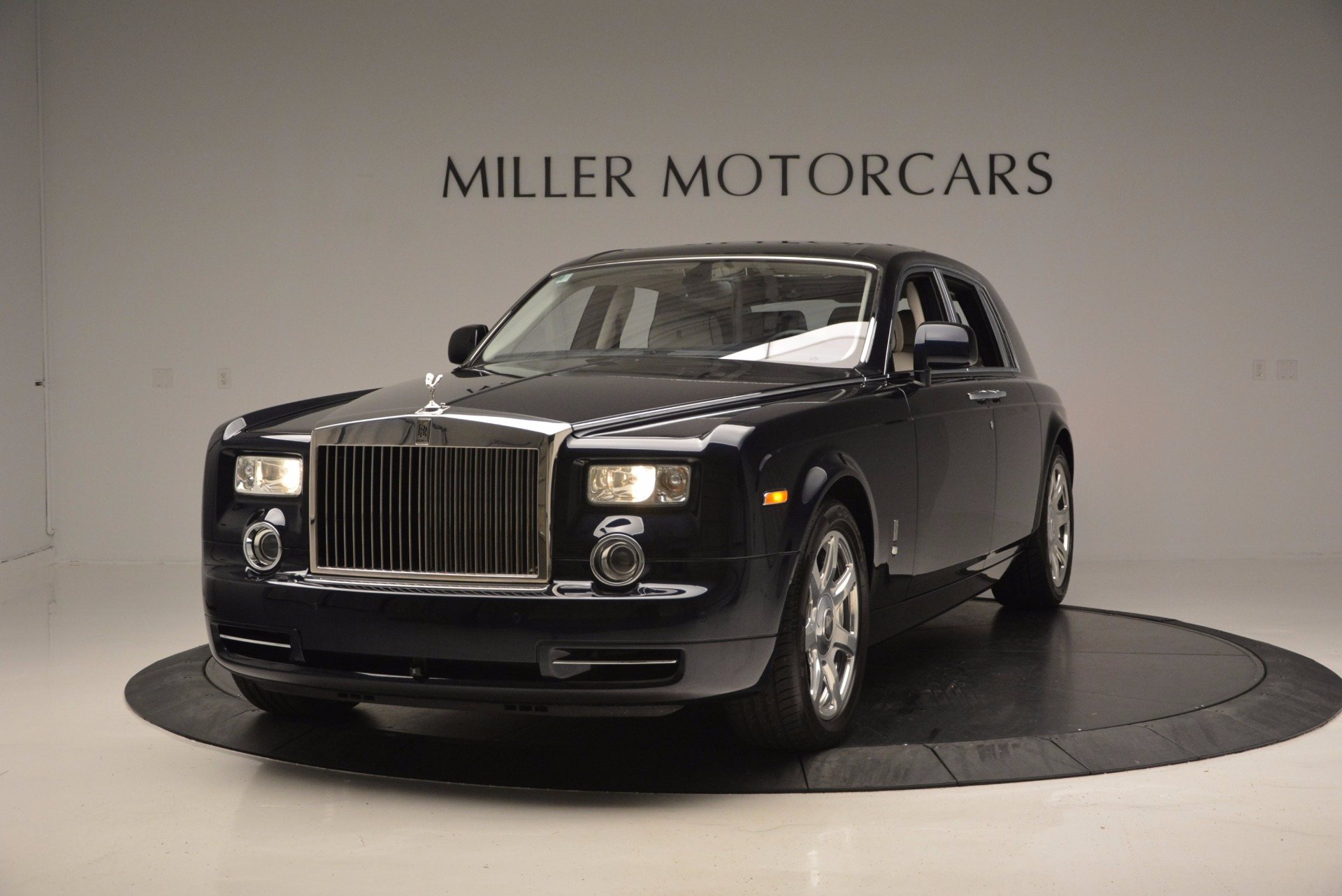 Used 2011 Rolls-Royce Phantom  For Sale In Westport, CT 661_main
