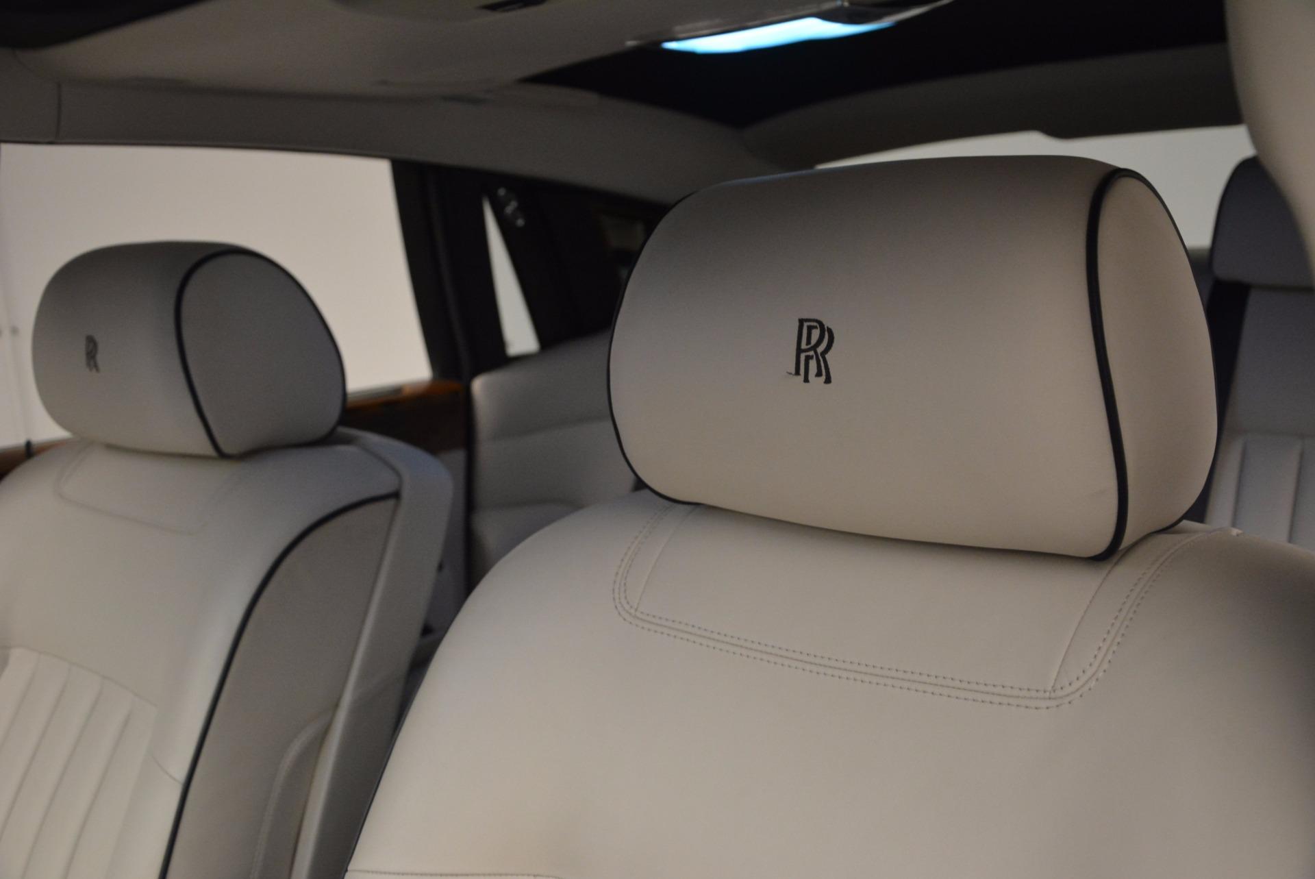 Used 2011 Rolls-Royce Phantom  For Sale In Westport, CT 661_p12