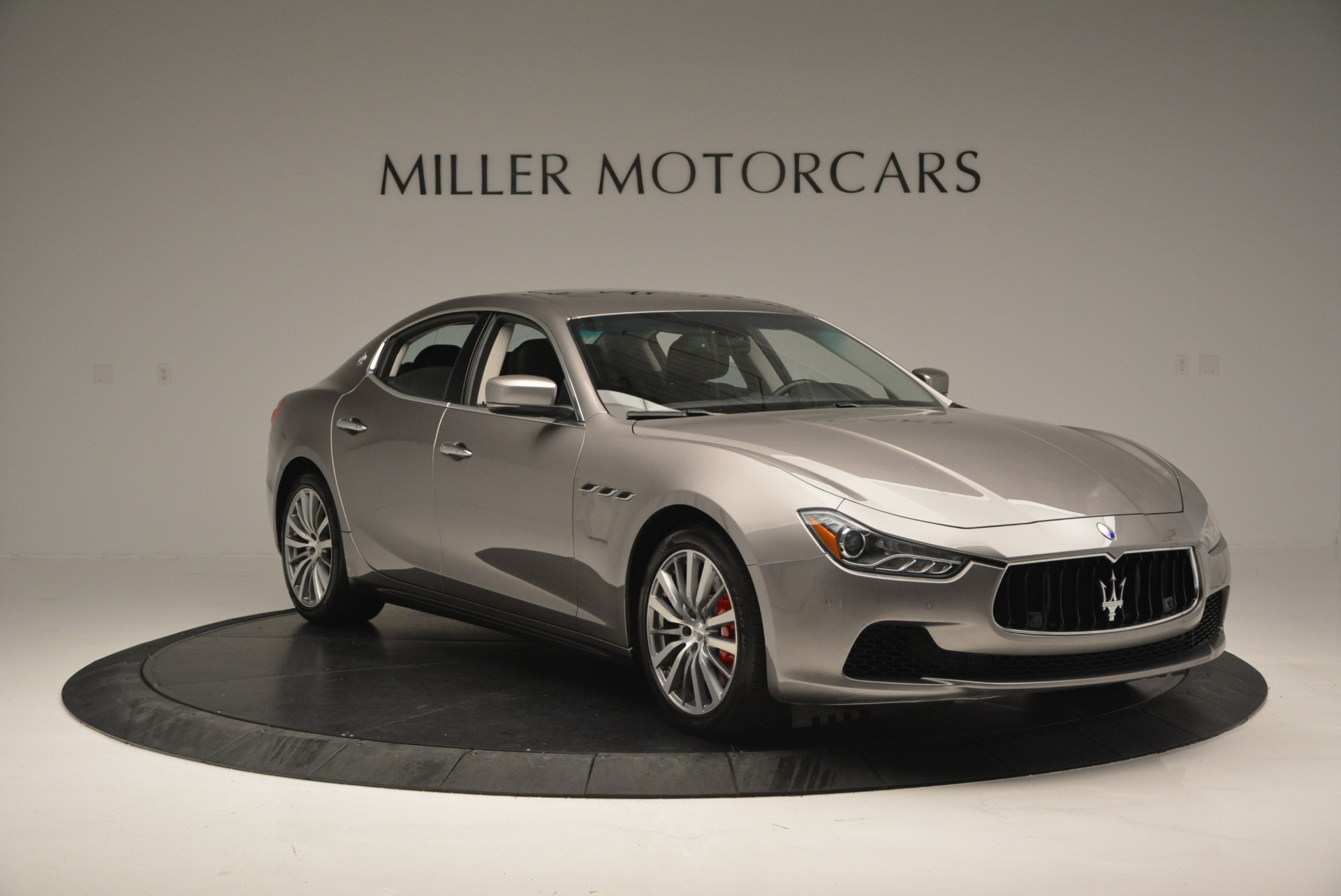 Used 2016 Maserati Ghibli S Q4  EX- LOANER For Sale In Westport, CT 668_p11