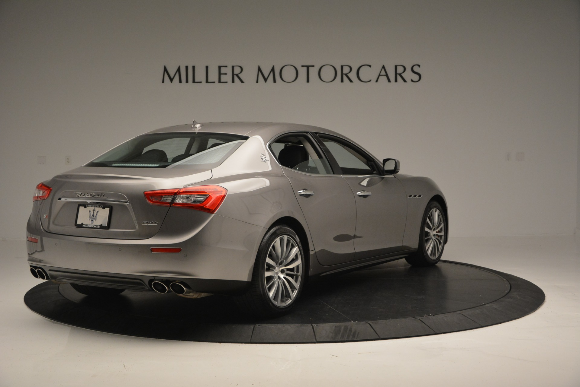 Used 2016 Maserati Ghibli S Q4  EX- LOANER For Sale In Westport, CT 668_p7