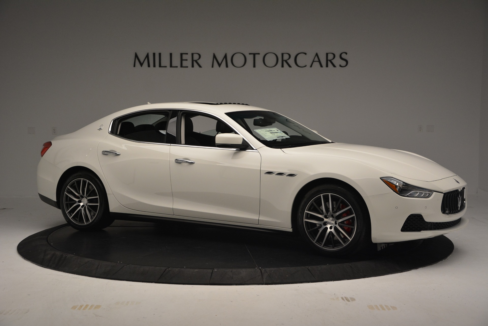 Used 2016 Maserati Ghibli S Q4  EX-LOANER For Sale In Westport, CT 669_p10