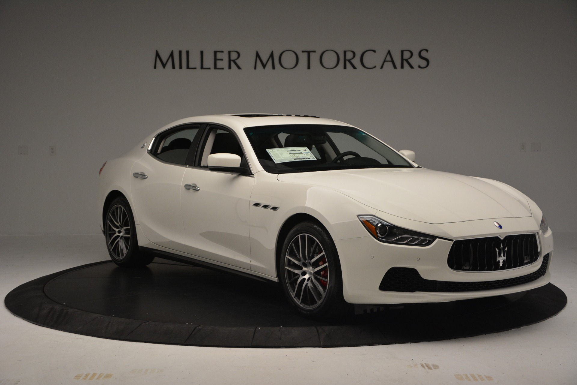 Used 2016 Maserati Ghibli S Q4  EX-LOANER For Sale In Westport, CT 669_p11