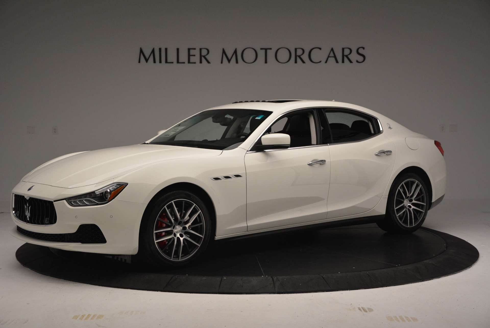Used 2016 Maserati Ghibli S Q4  EX-LOANER For Sale In Westport, CT 669_p2