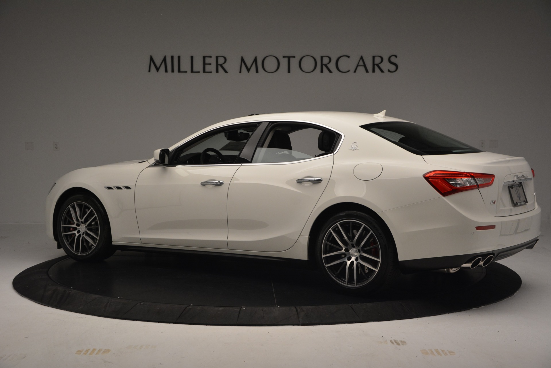 Used 2016 Maserati Ghibli S Q4  EX-LOANER For Sale In Westport, CT 669_p4