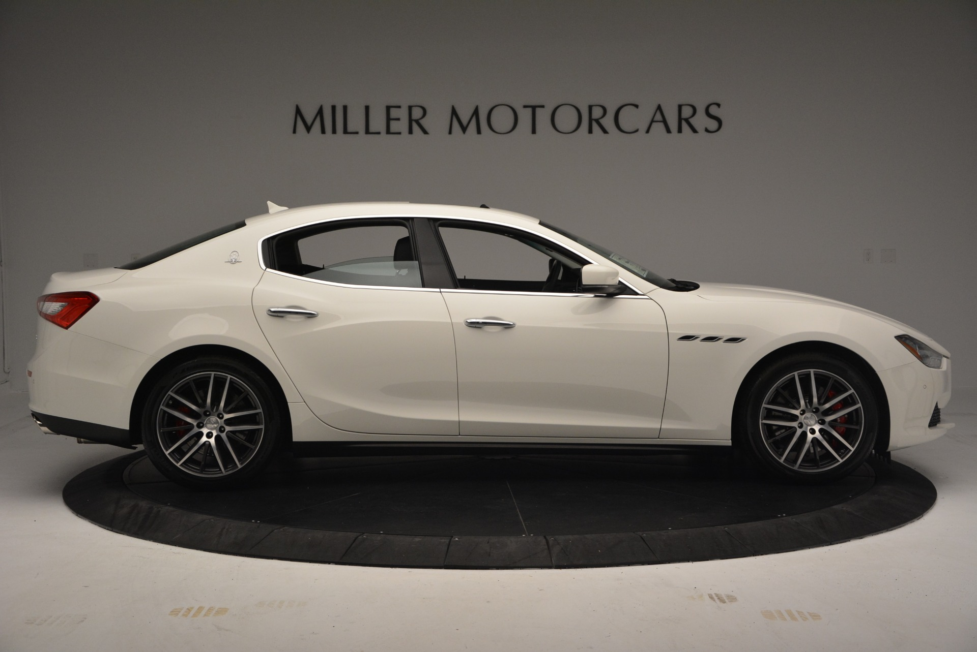 Used 2016 Maserati Ghibli S Q4  EX-LOANER For Sale In Westport, CT 669_p9