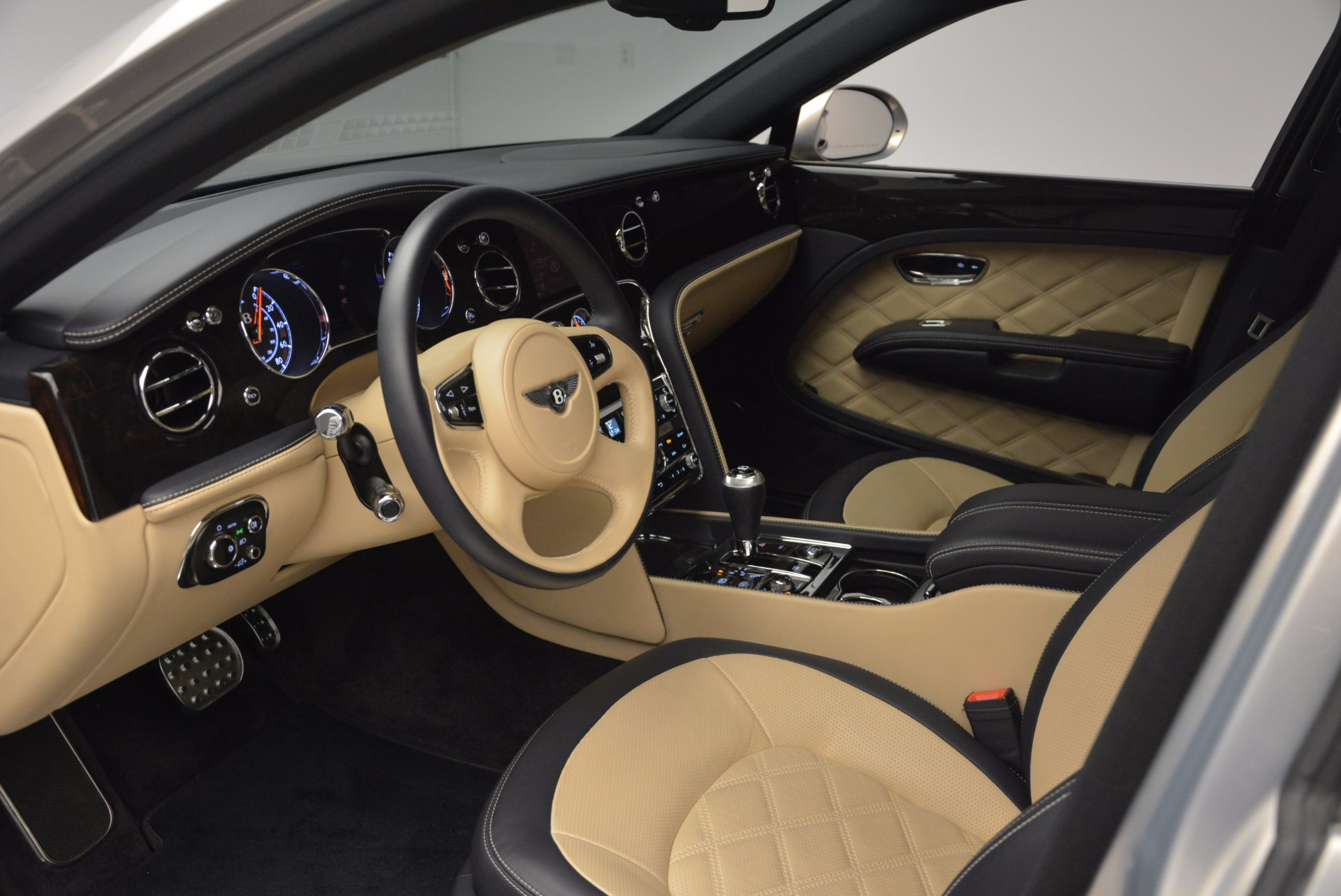 Used 2016 Bentley Mulsanne Speed For Sale In Westport, CT 671_p26