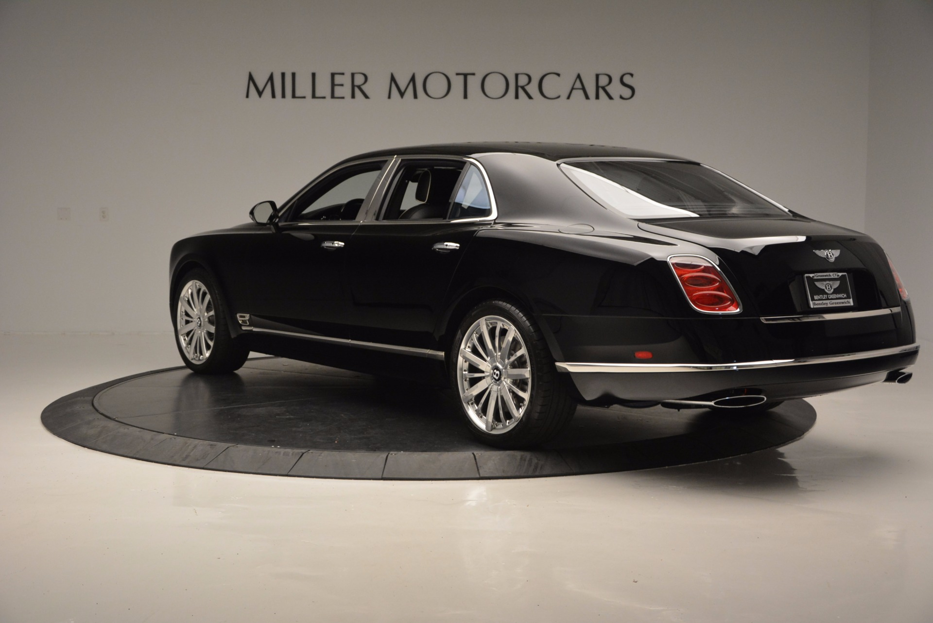 Used 2016 Bentley Mulsanne  For Sale In Westport, CT 672_p5