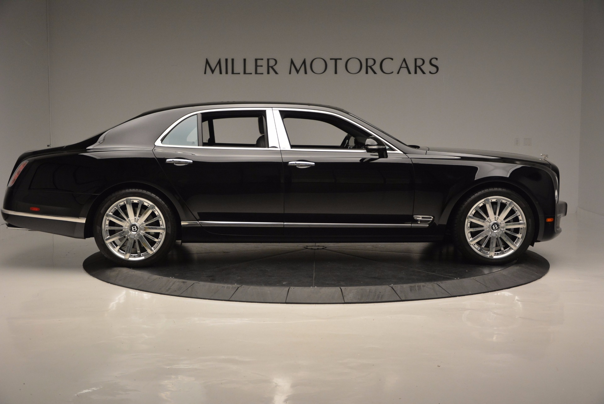 Used 2016 Bentley Mulsanne  For Sale In Westport, CT 672_p9