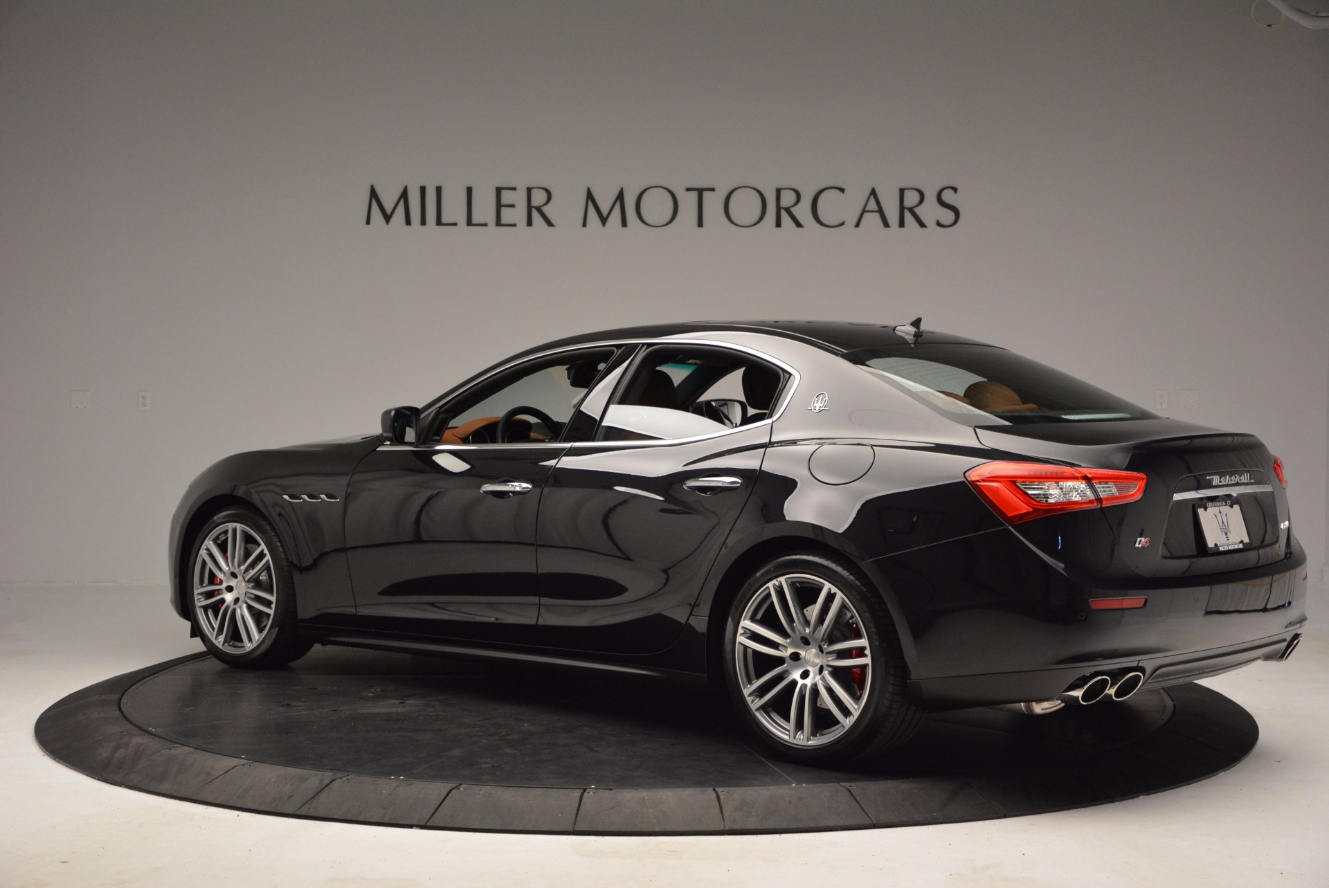 Used 2017 Maserati Ghibli S Q4 For Sale In Westport, CT 682_p4