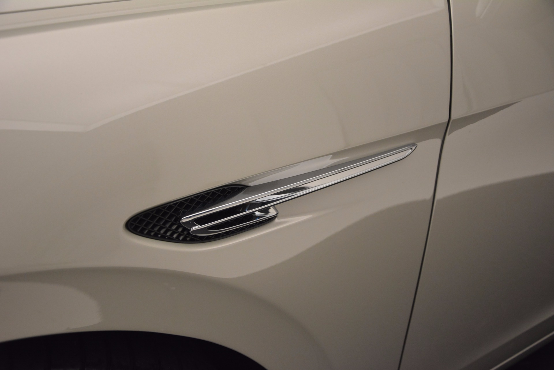 Used 2015 Bentley Flying Spur W12  For Sale In Westport, CT 694_p18