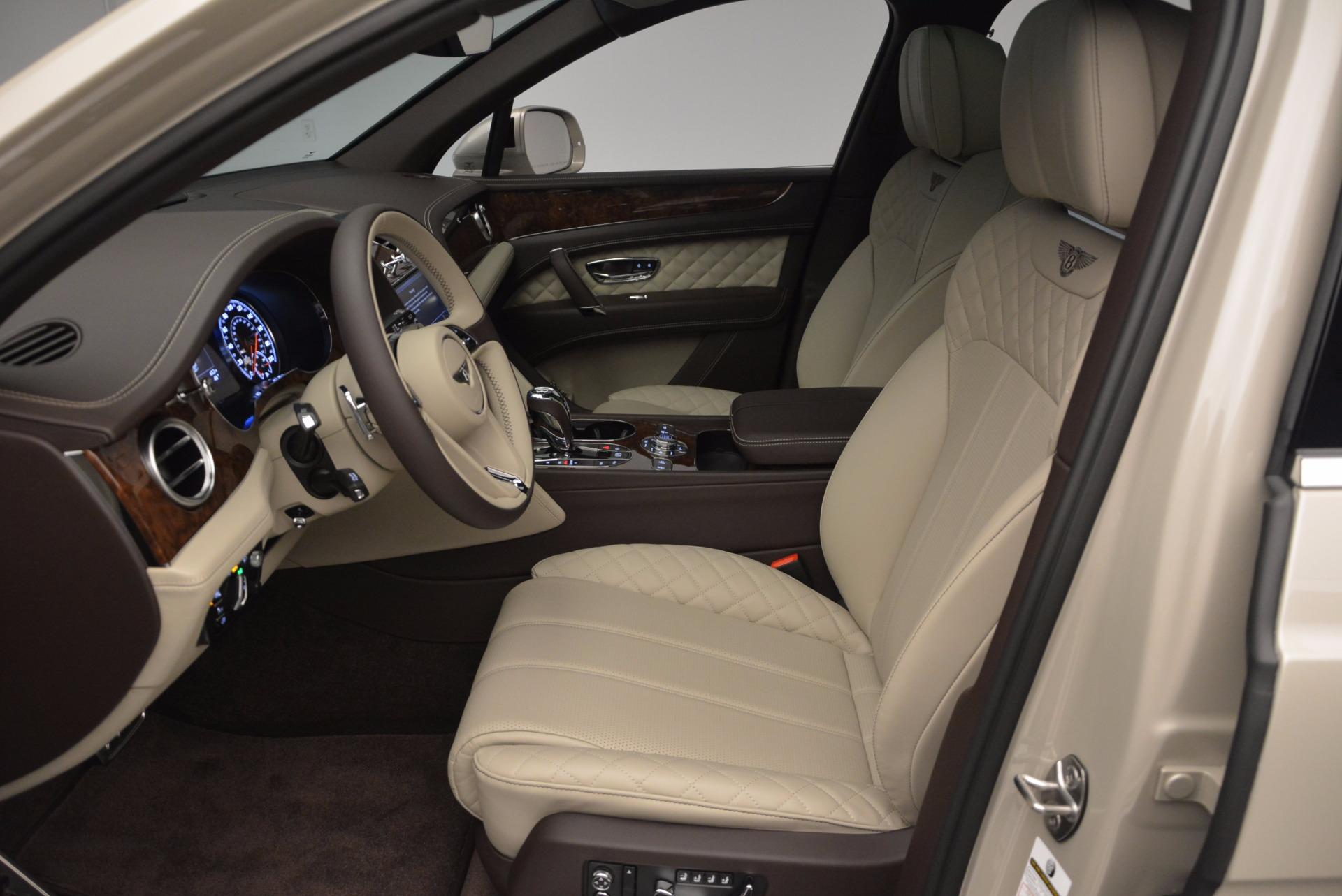 Used 2017 Bentley Bentayga  For Sale In Westport, CT 695_p18
