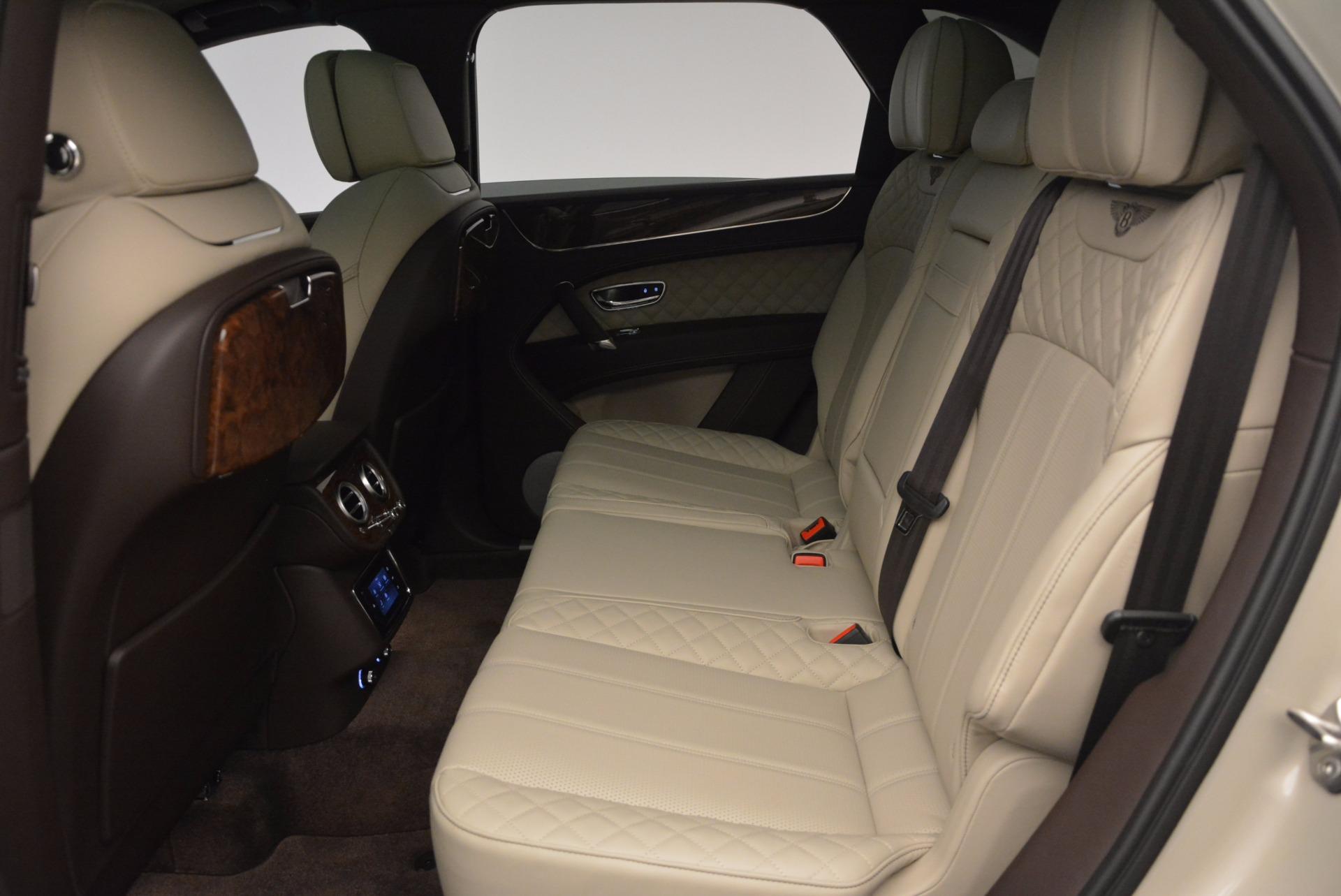 Used 2017 Bentley Bentayga  For Sale In Westport, CT 695_p28