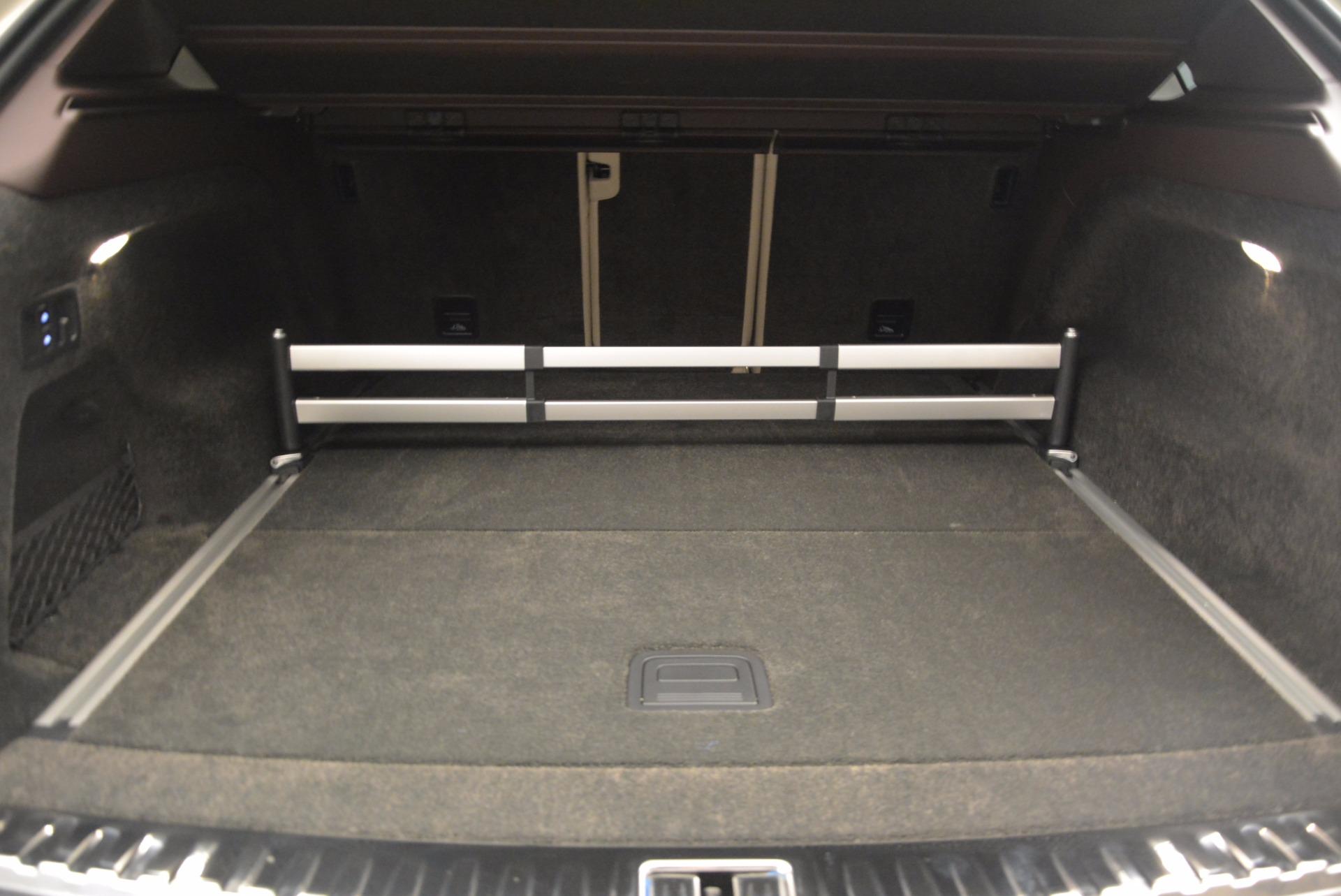 Used 2017 Bentley Bentayga  For Sale In Westport, CT 695_p34