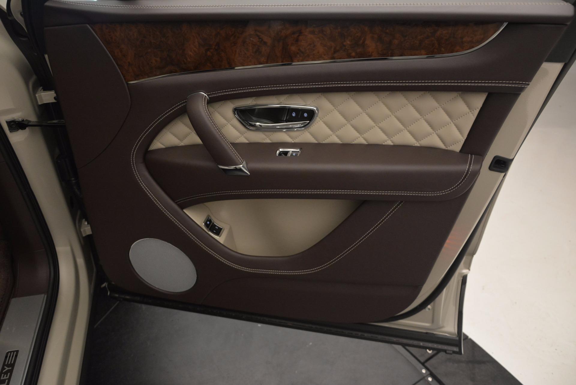 Used 2017 Bentley Bentayga  For Sale In Westport, CT 695_p35