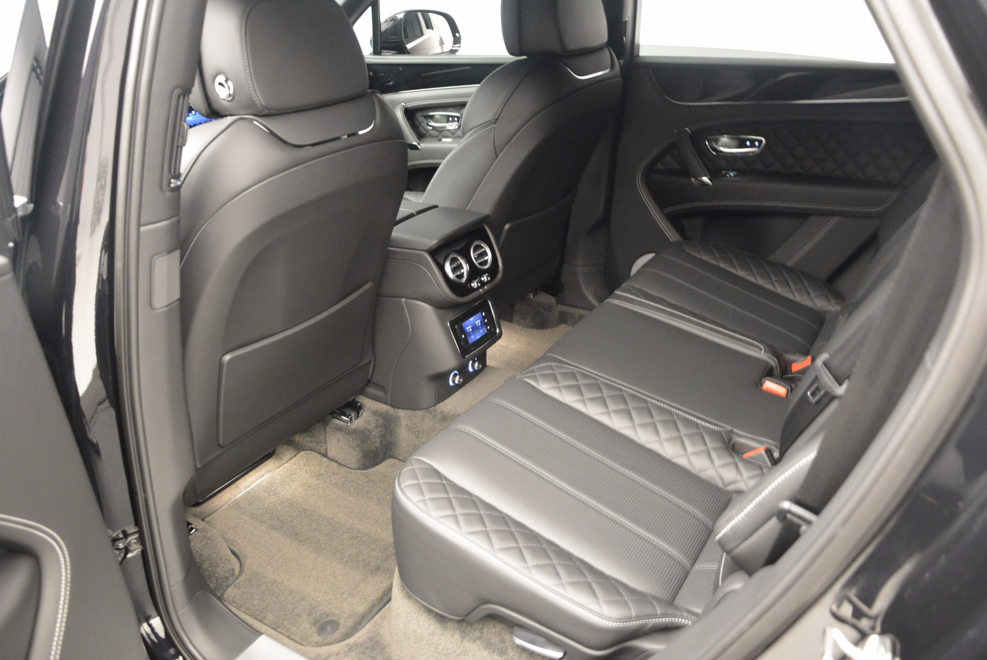 Used 2017 Bentley Bentayga W12 For Sale In Westport, CT 696_p25