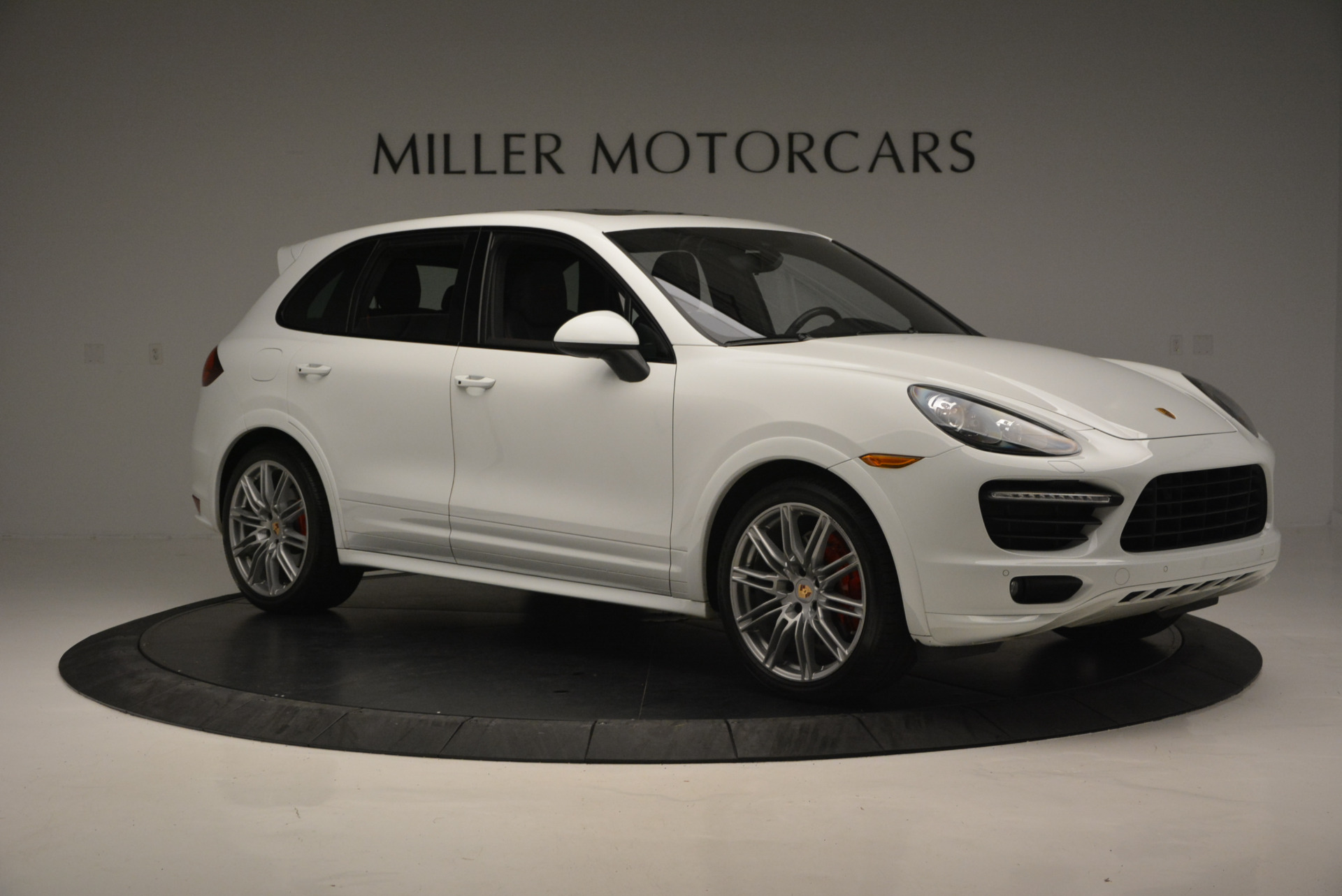 Used 2014 Porsche Cayenne GTS For Sale In Westport, CT 697_p10