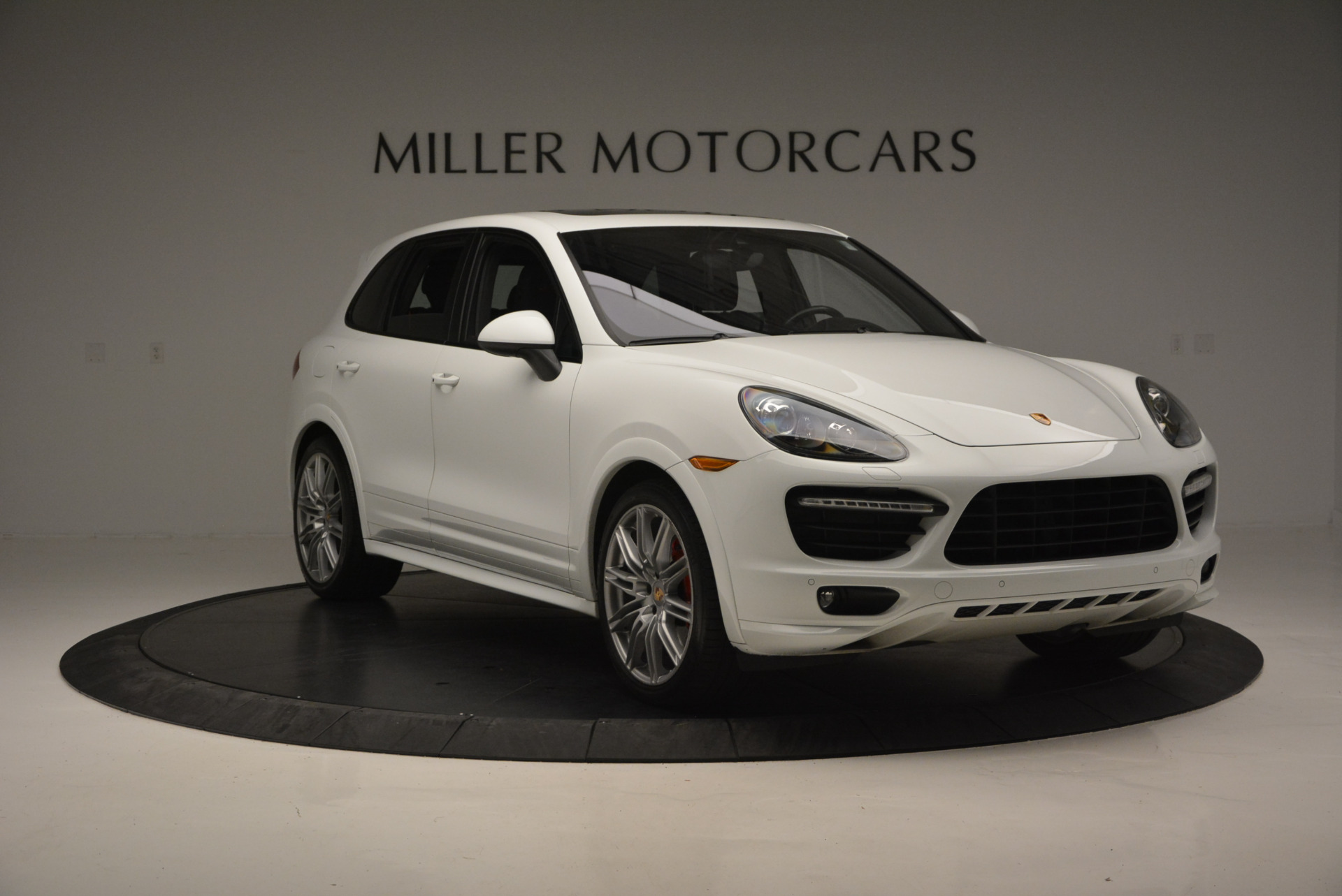 Used 2014 Porsche Cayenne GTS For Sale In Westport, CT 697_p11
