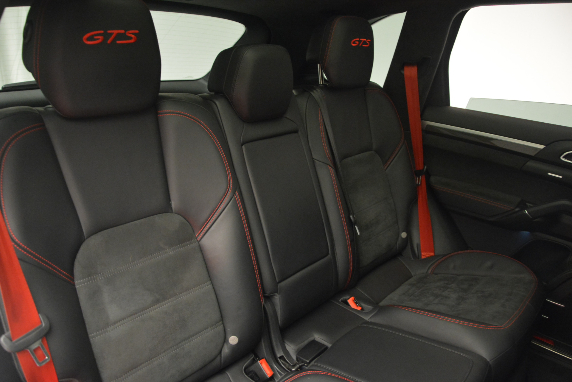 Used 2014 Porsche Cayenne GTS For Sale In Westport, CT 697_p30