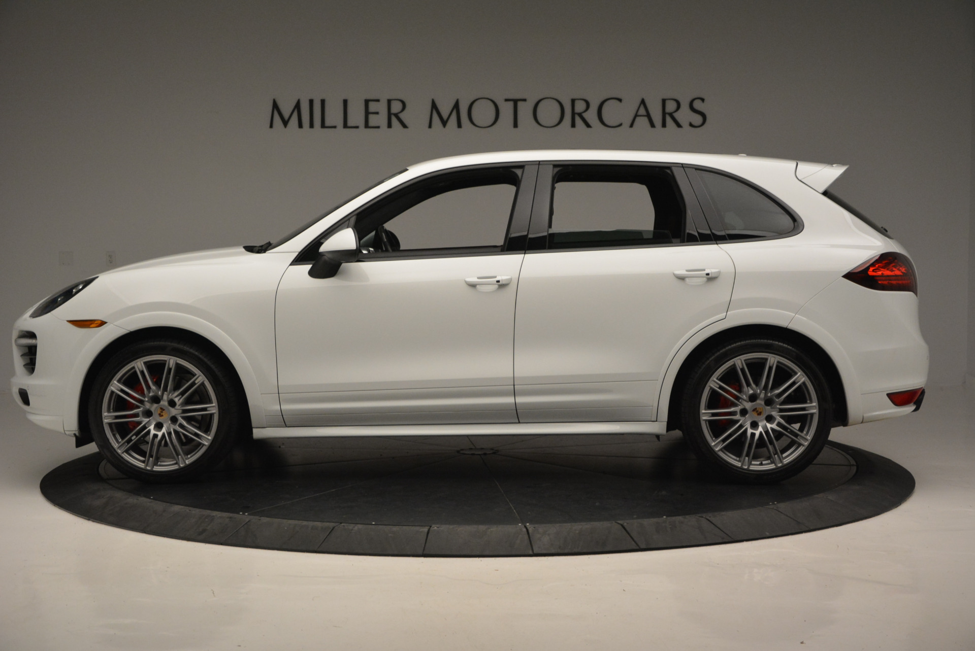 Used 2014 Porsche Cayenne GTS For Sale In Westport, CT 697_p3