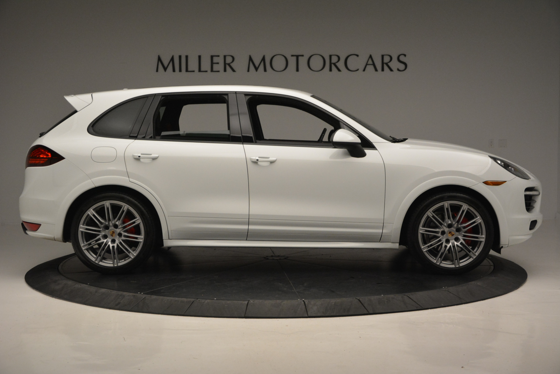 Used 2014 Porsche Cayenne GTS For Sale In Westport, CT 697_p9
