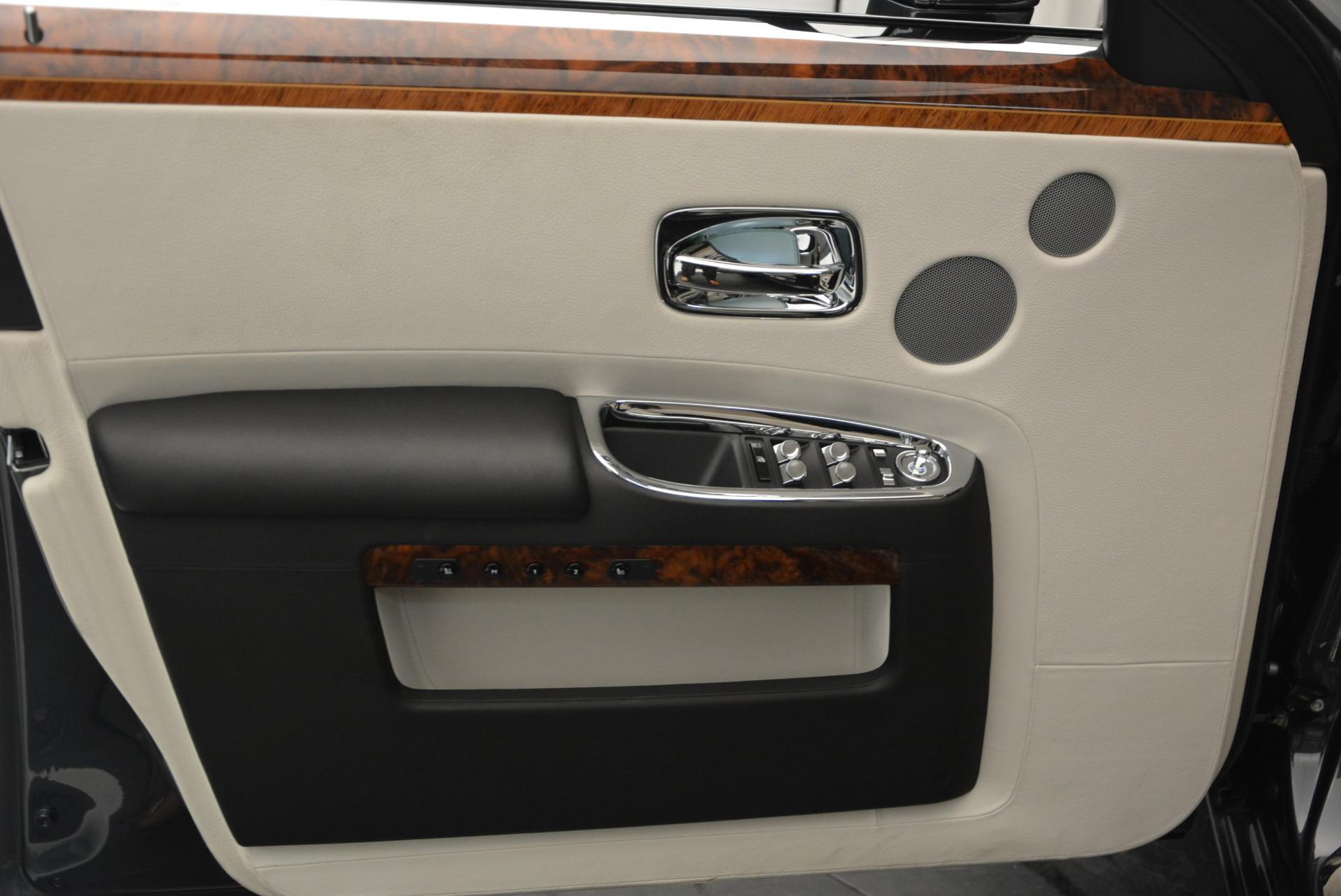 Used 2013 Rolls-Royce Ghost  For Sale In Westport, CT 702_p16
