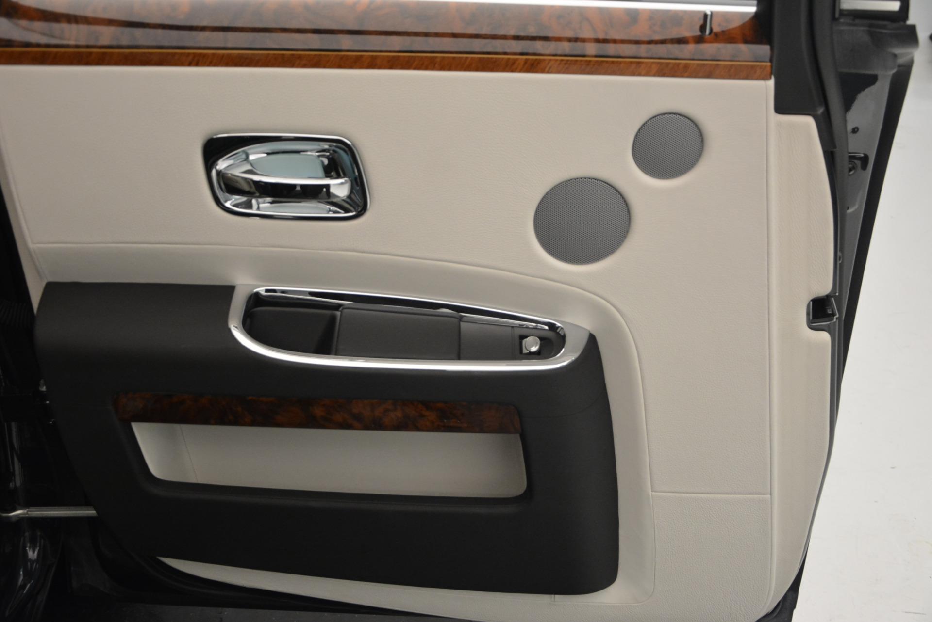 Used 2013 Rolls-Royce Ghost  For Sale In Westport, CT 702_p21