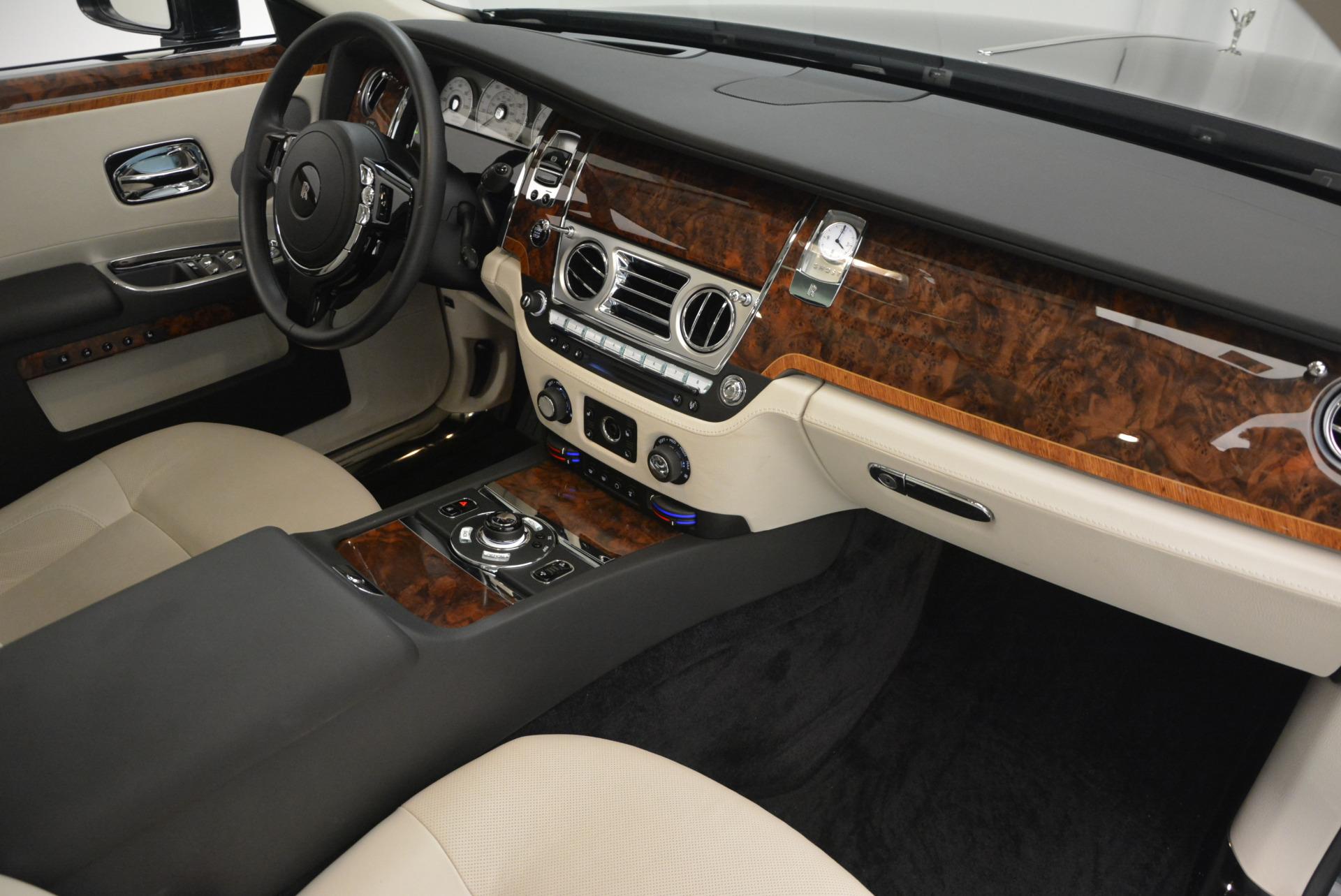 Used 2013 Rolls-Royce Ghost  For Sale In Westport, CT 702_p33