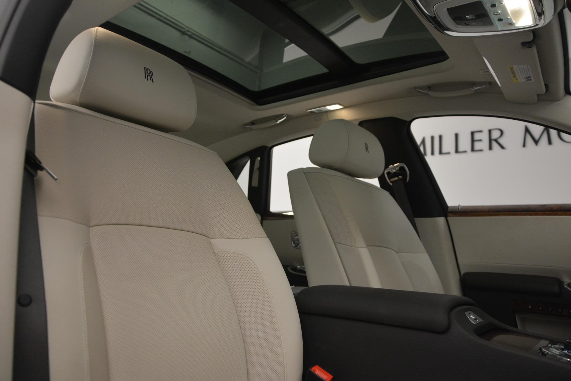Used 2013 Rolls-Royce Ghost  For Sale In Westport, CT 702_p35