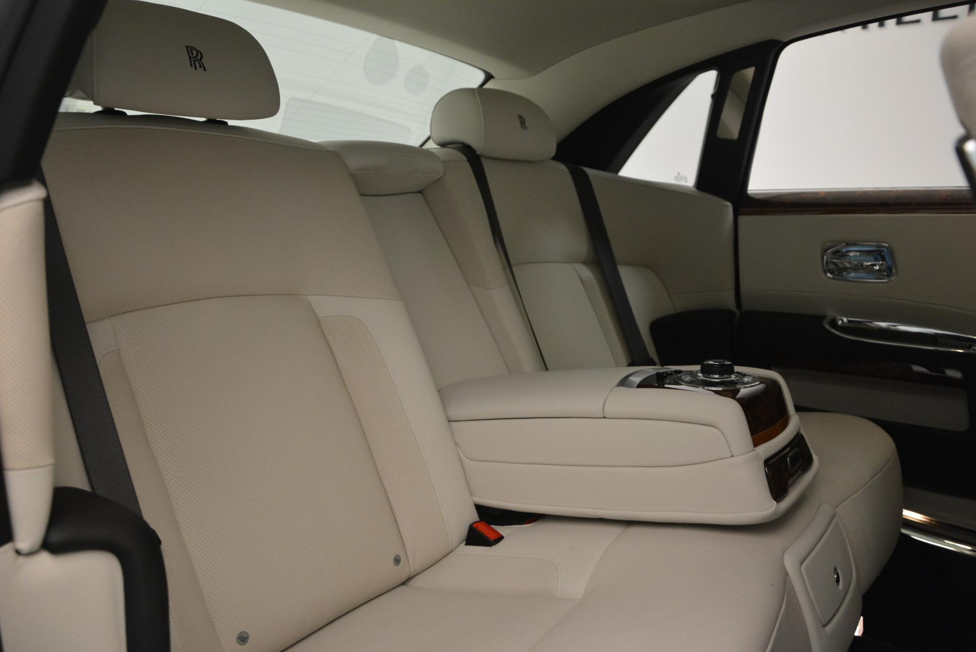 Used 2013 Rolls-Royce Ghost  For Sale In Westport, CT 702_p37