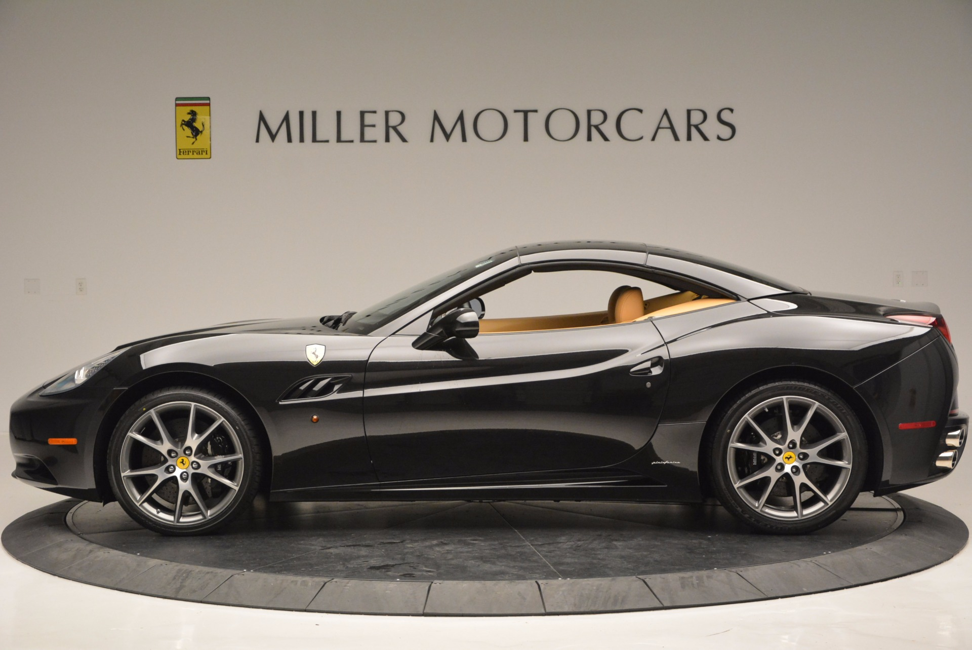 Used 2010 Ferrari California  For Sale In Westport, CT 705_p15