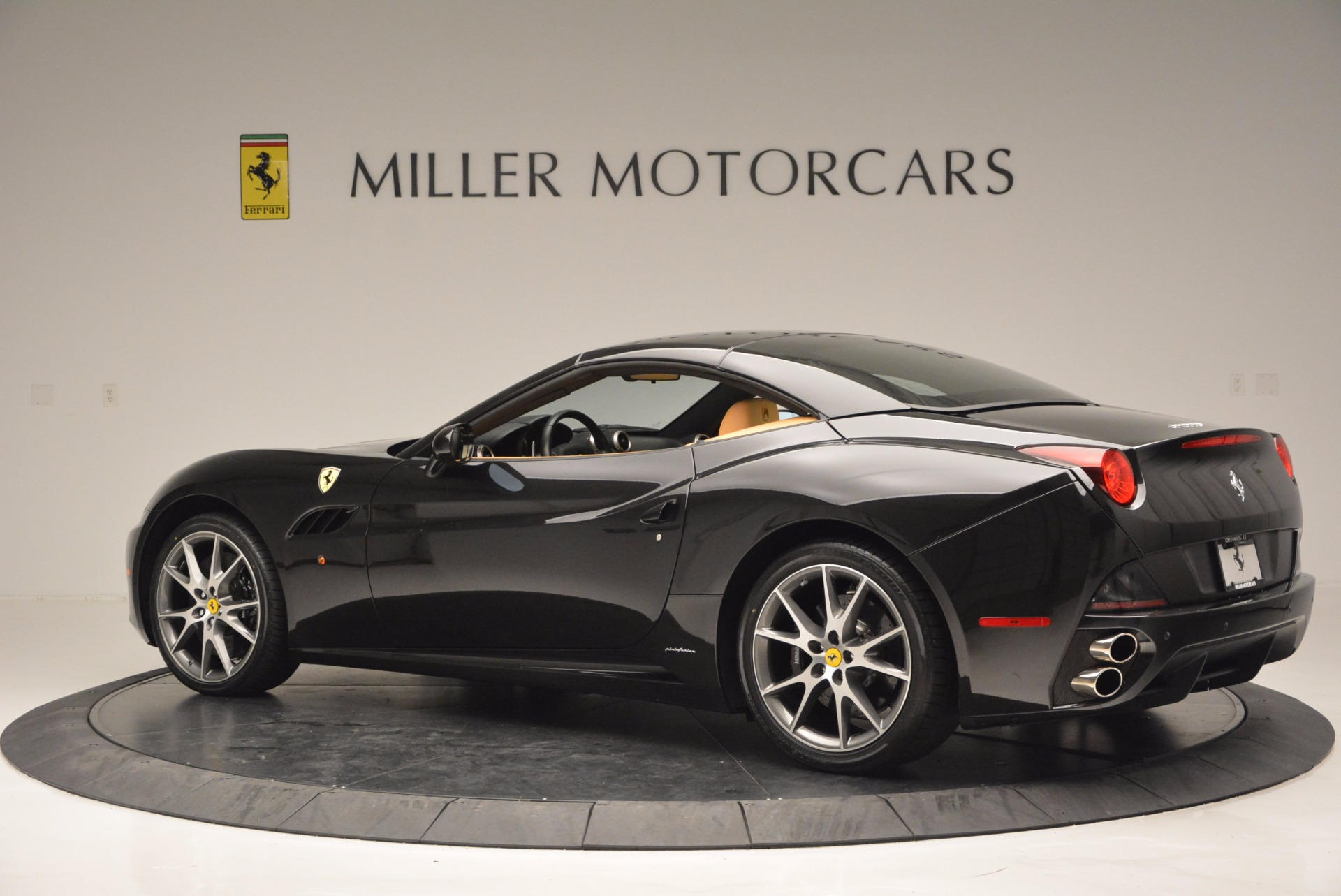 Used 2010 Ferrari California  For Sale In Westport, CT 705_p16