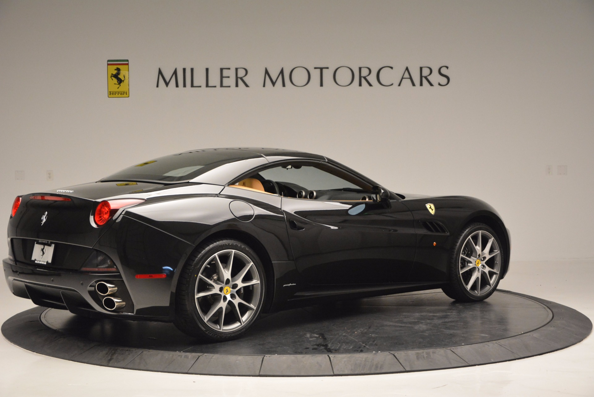 Used 2010 Ferrari California  For Sale In Westport, CT 705_p20