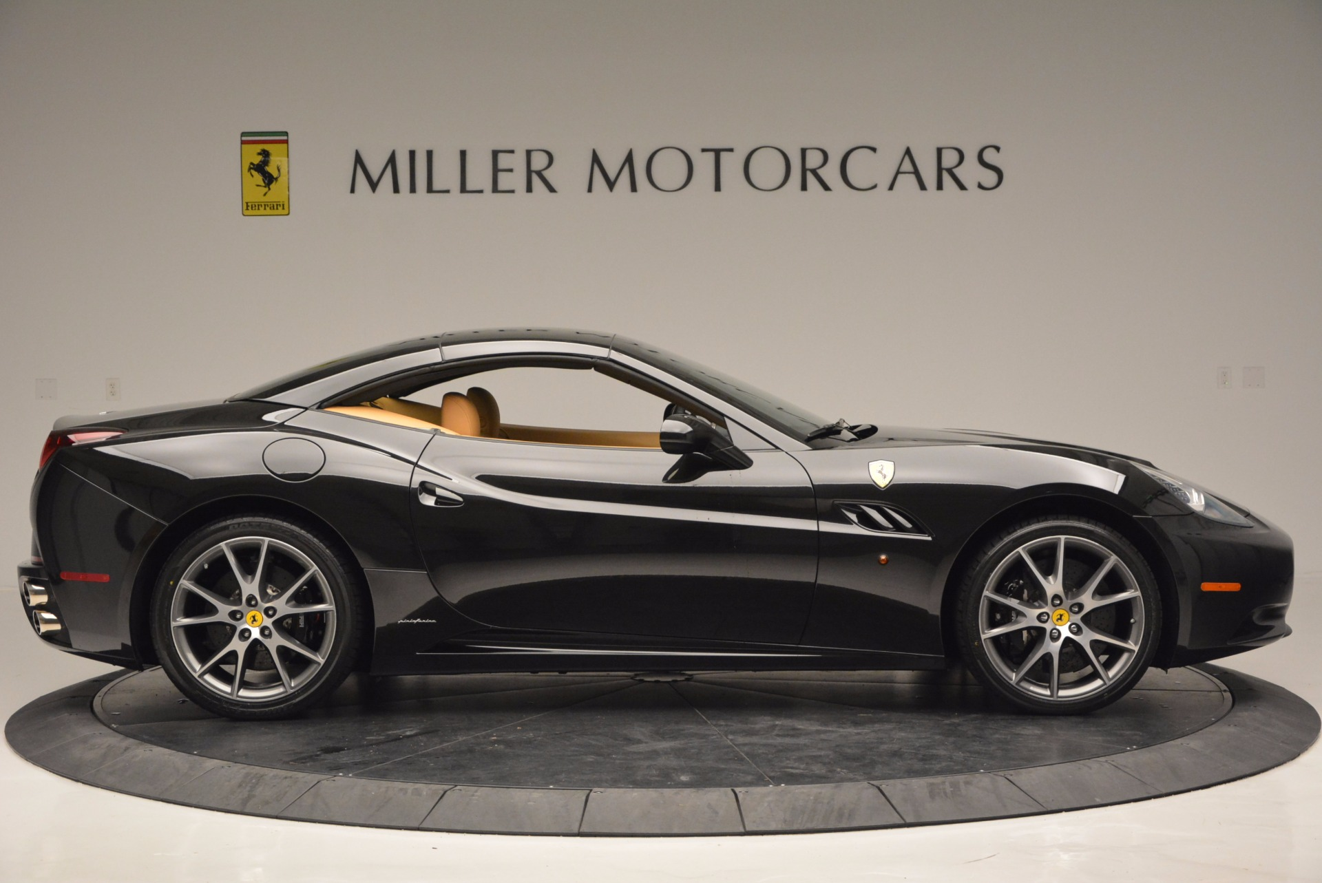 Used 2010 Ferrari California  For Sale In Westport, CT 705_p21