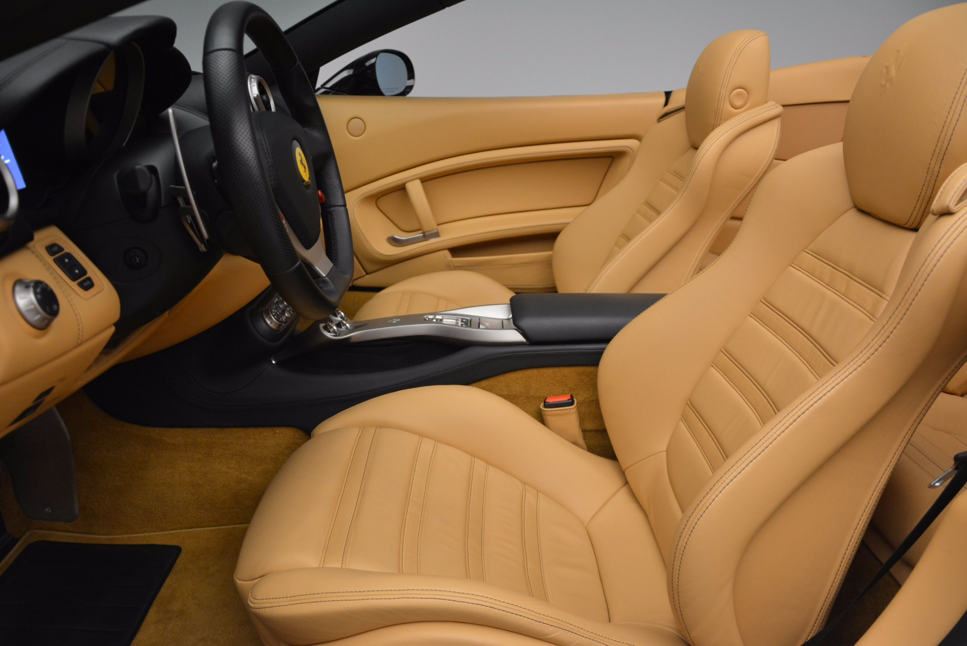 Used 2010 Ferrari California  For Sale In Westport, CT 705_p26