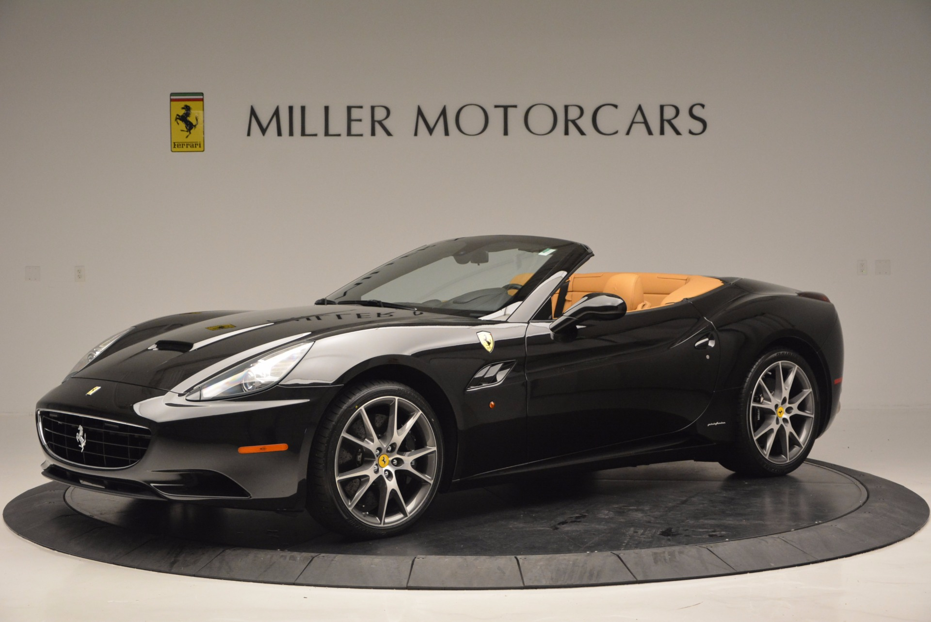 Used 2010 Ferrari California  For Sale In Westport, CT 705_p2