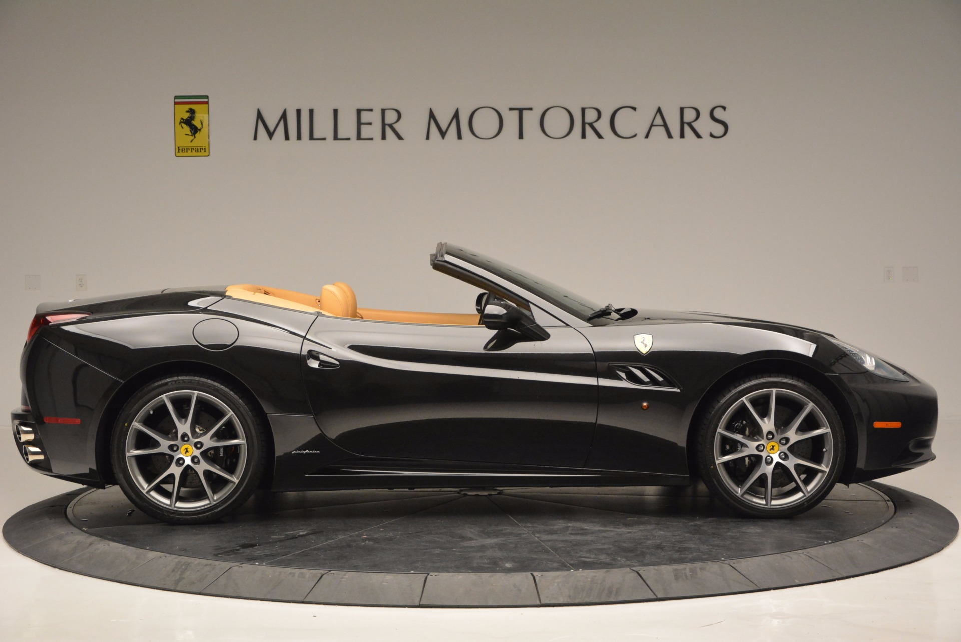 Used 2010 Ferrari California  For Sale In Westport, CT 705_p9