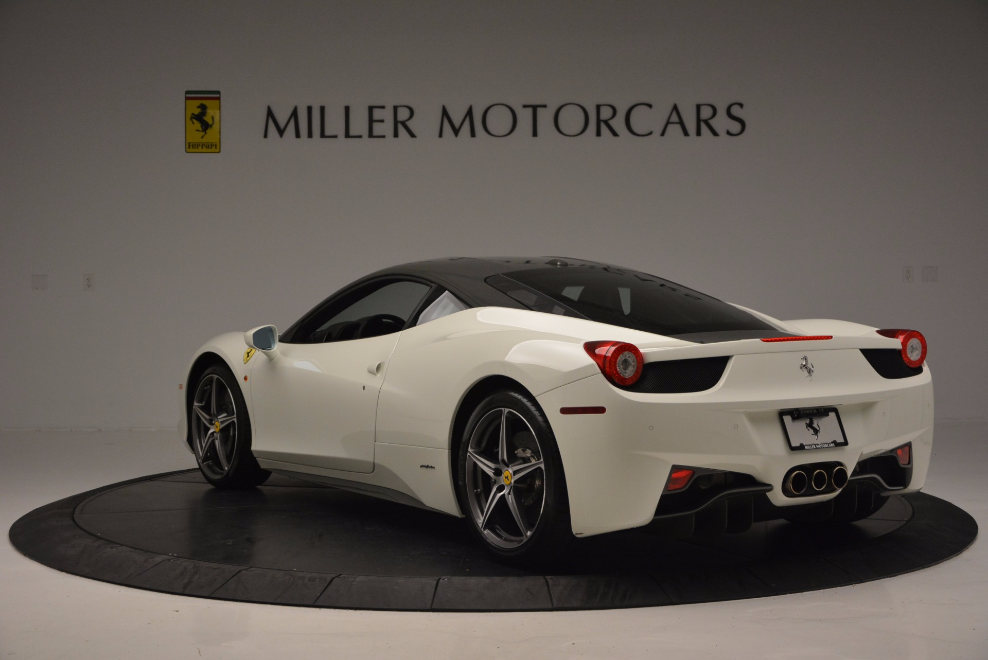 Used 2012 Ferrari 458 Italia  For Sale In Westport, CT 709_p5