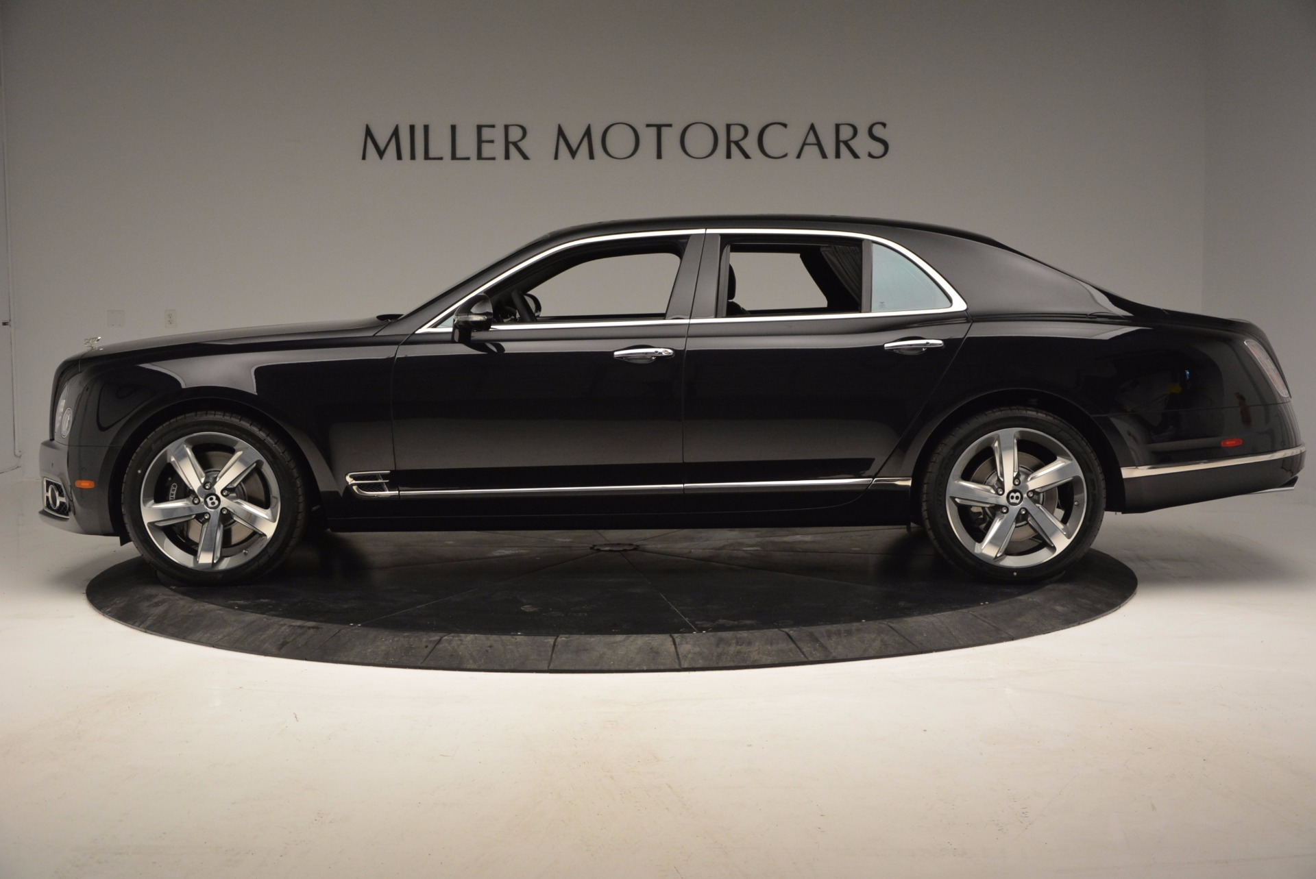 Used 2017 Bentley Mulsanne Speed For Sale In Westport, CT 733_p3
