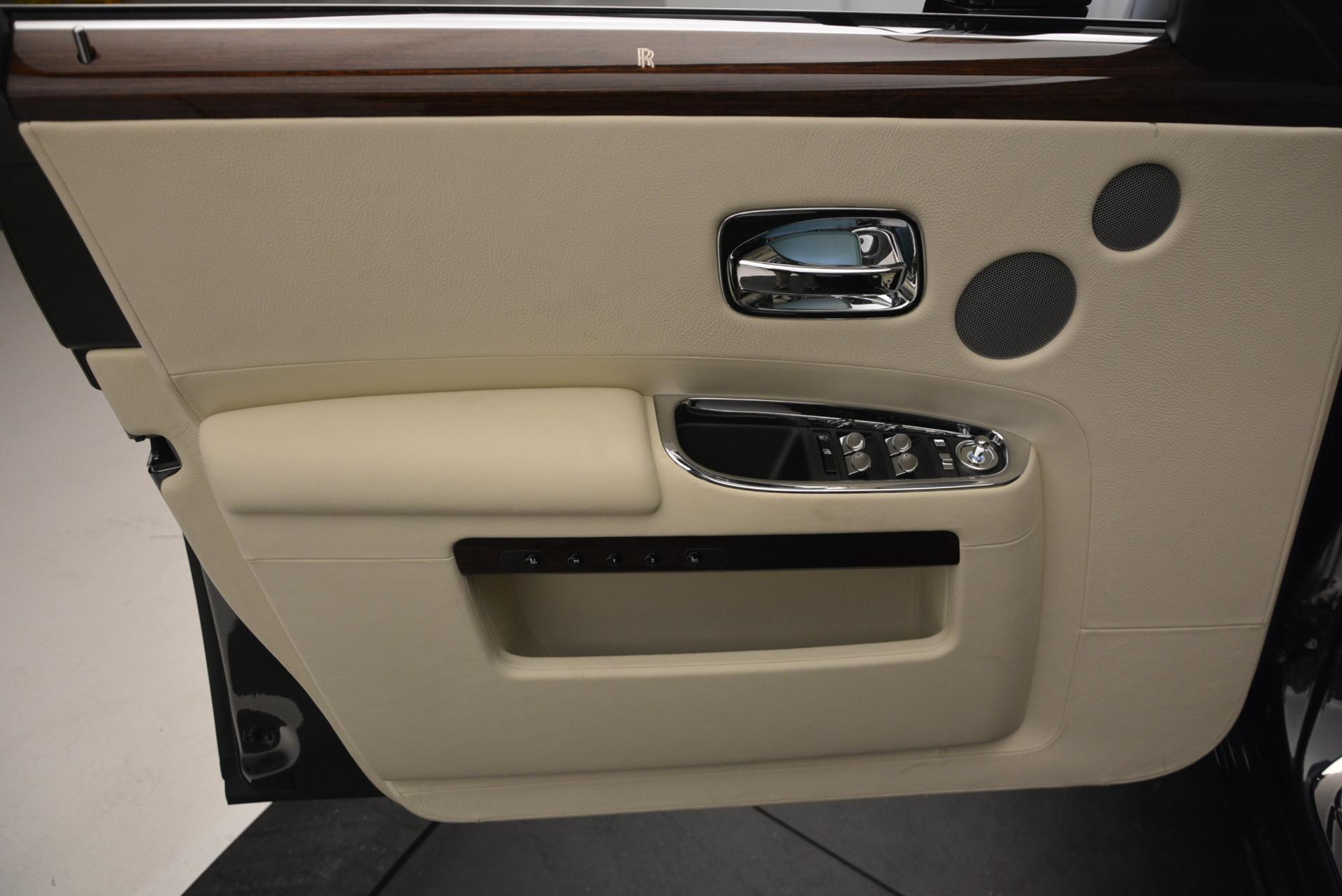 Used 2013 Rolls-Royce Ghost  For Sale In Westport, CT 739_p21