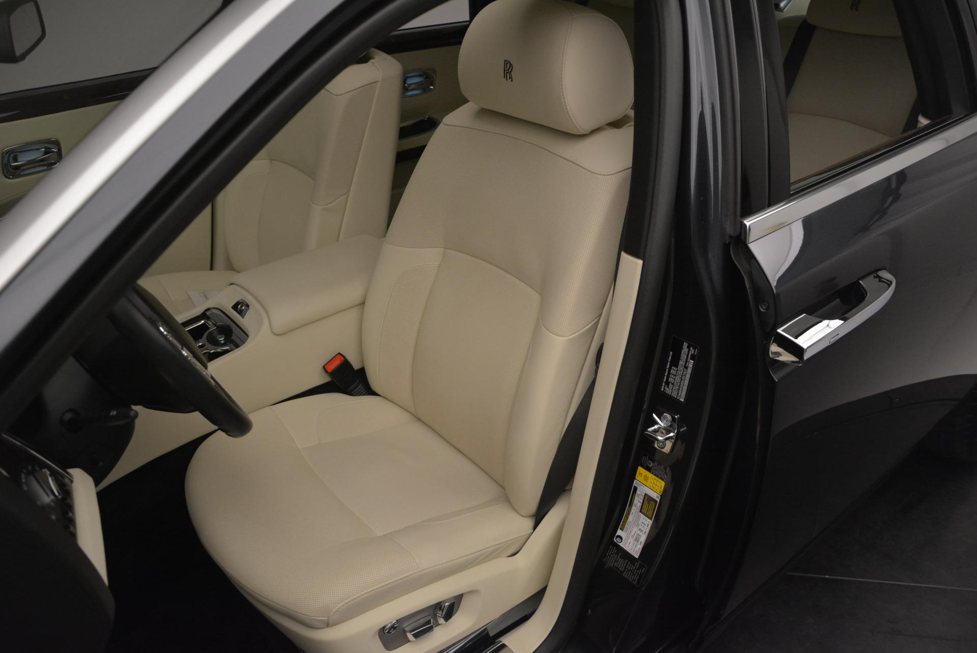 Used 2013 Rolls-Royce Ghost  For Sale In Westport, CT 739_p23