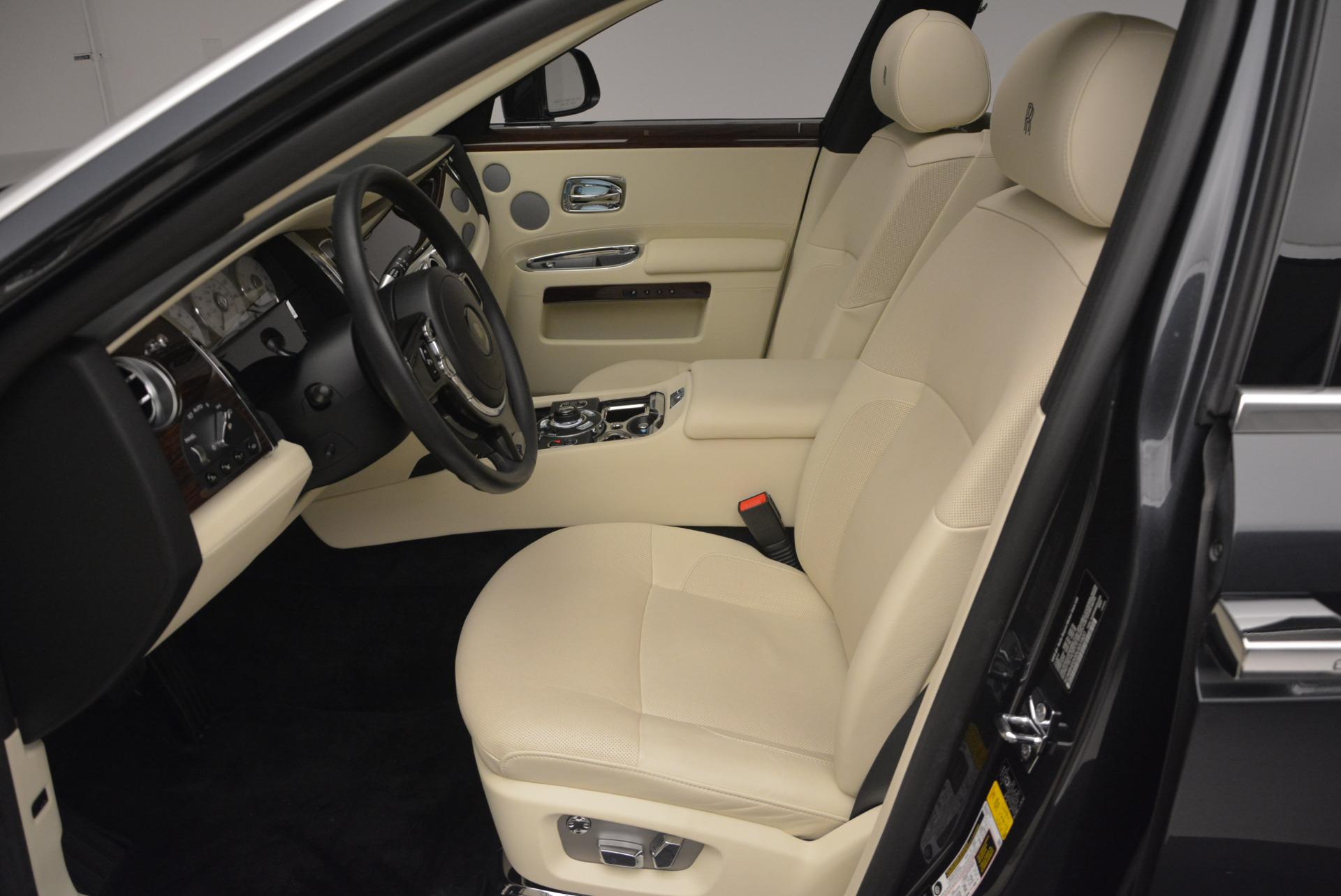 Used 2013 Rolls-Royce Ghost  For Sale In Westport, CT 739_p24