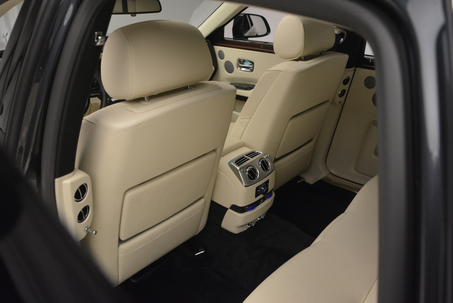 Used 2013 Rolls-Royce Ghost  For Sale In Westport, CT 739_p30