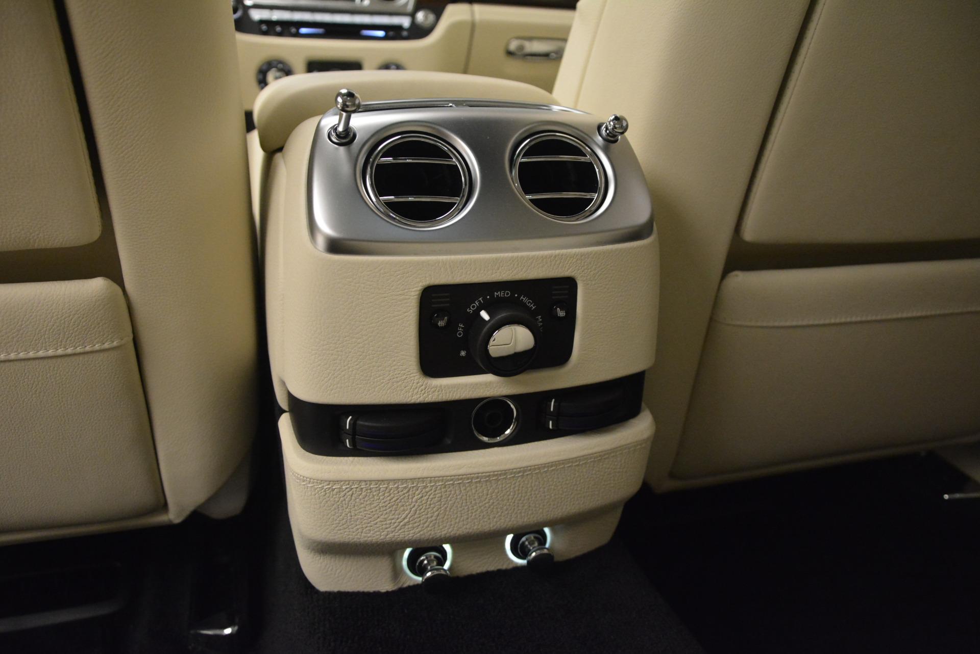 Used 2013 Rolls-Royce Ghost  For Sale In Westport, CT 739_p32