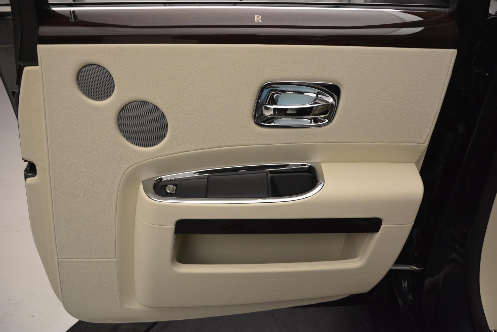 Used 2013 Rolls-Royce Ghost  For Sale In Westport, CT 739_p39