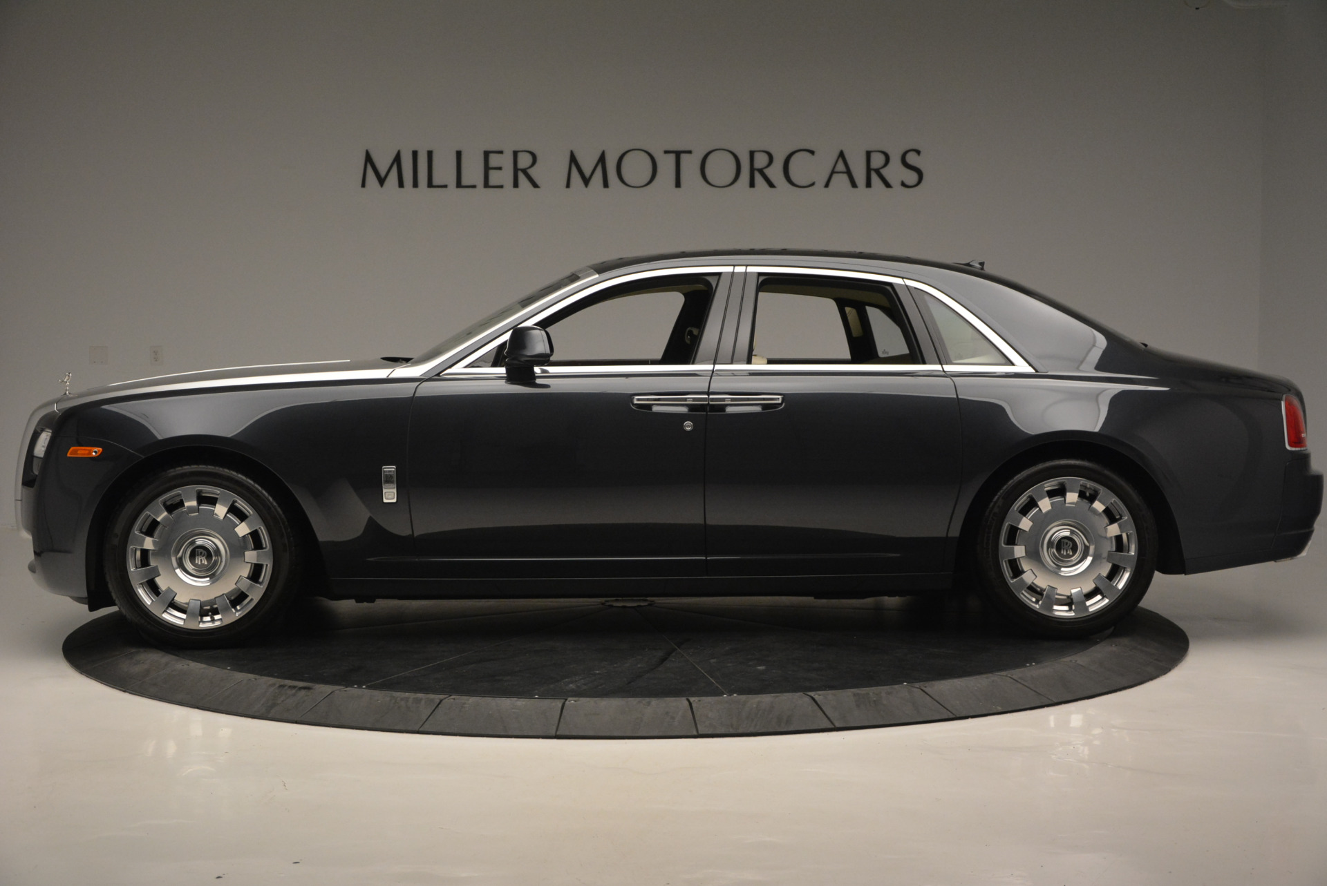 Used 2013 Rolls-Royce Ghost  For Sale In Westport, CT 739_p3