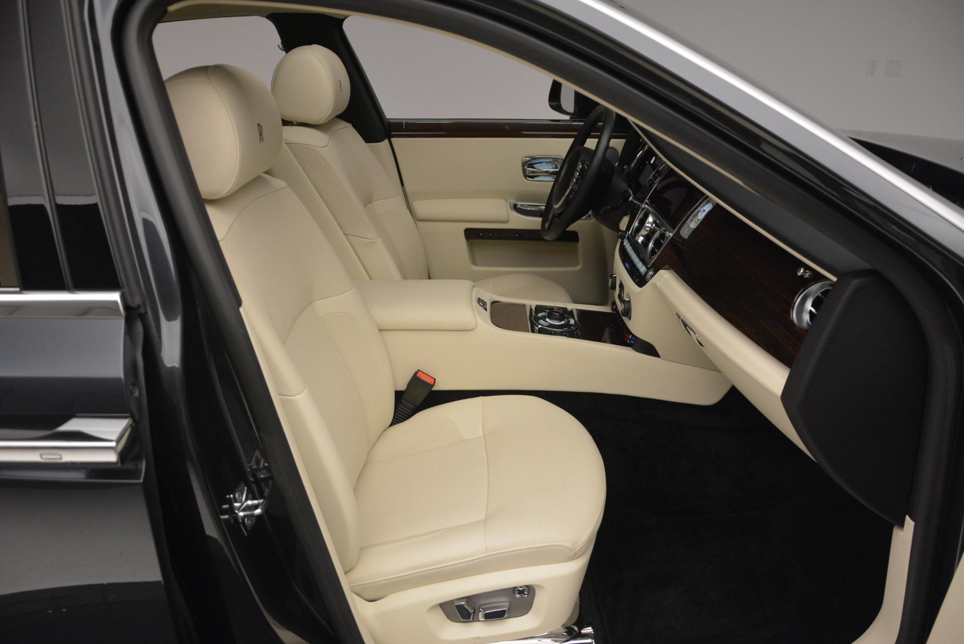 Used 2013 Rolls-Royce Ghost  For Sale In Westport, CT 739_p45